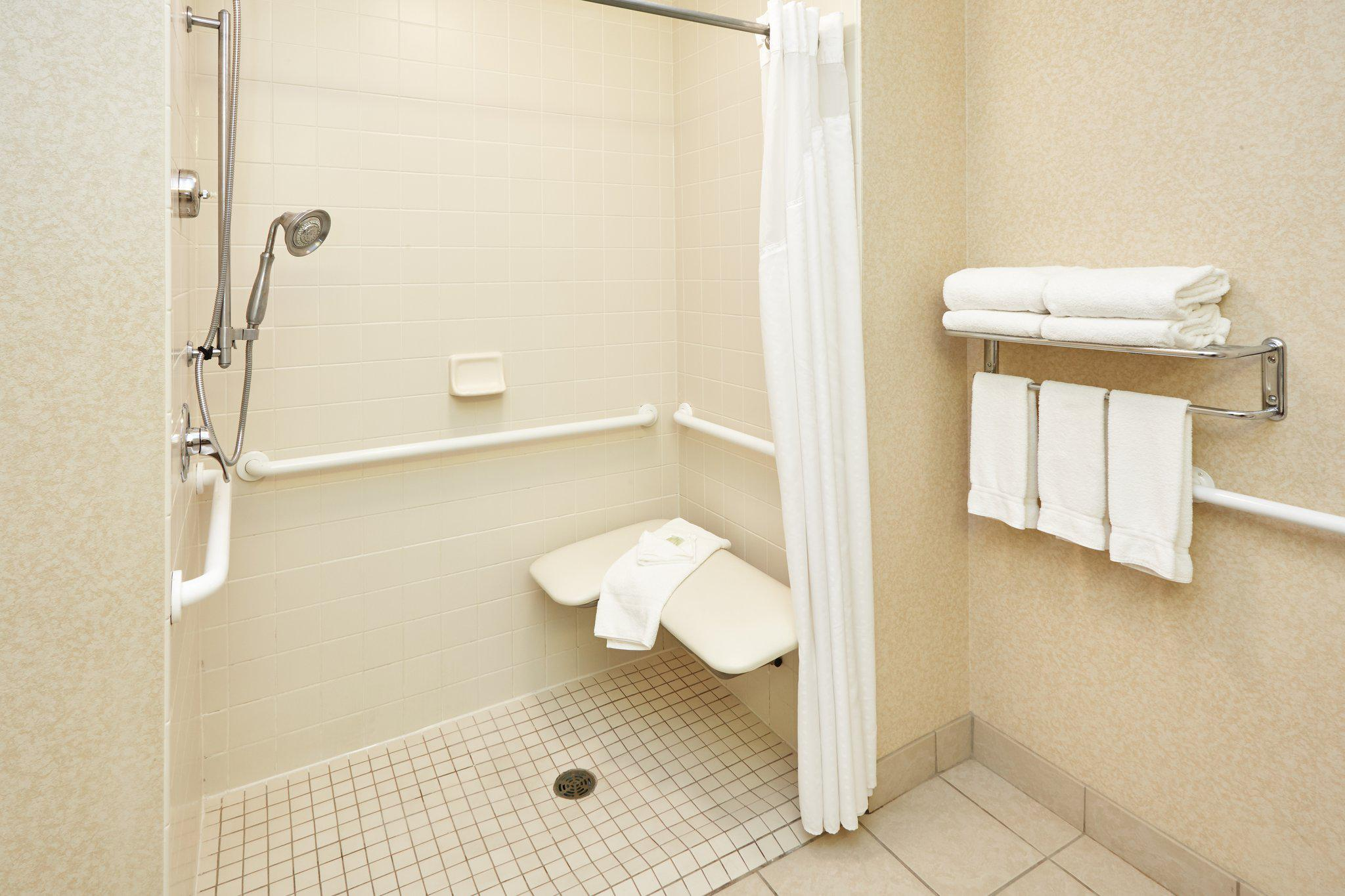 Holiday Inn Express & Suites Grand Rapids - South in Grand Rapids, MI, photo #12