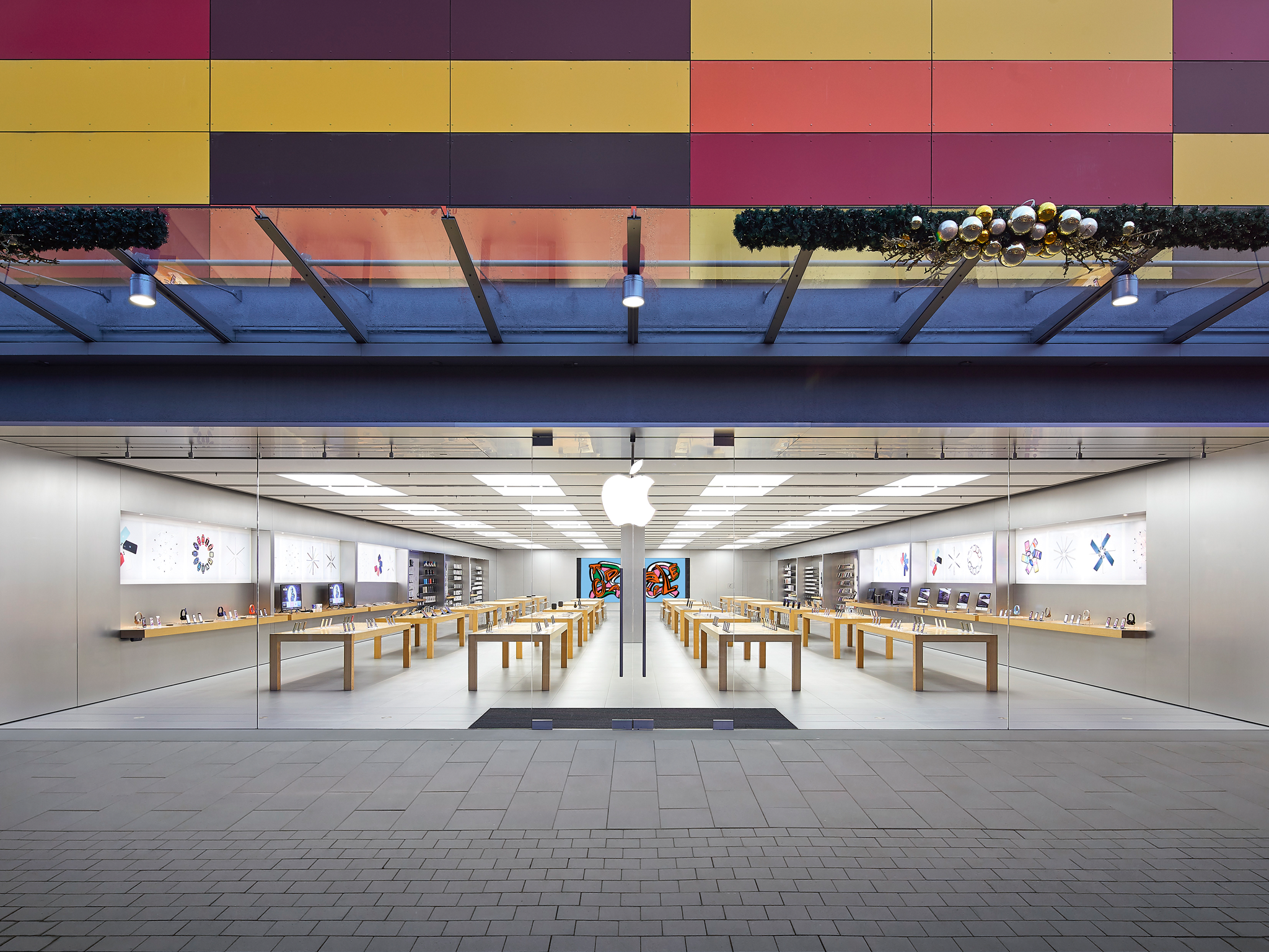 Apple MTZ, Main-Taunus-Zentrum in Sulzbach