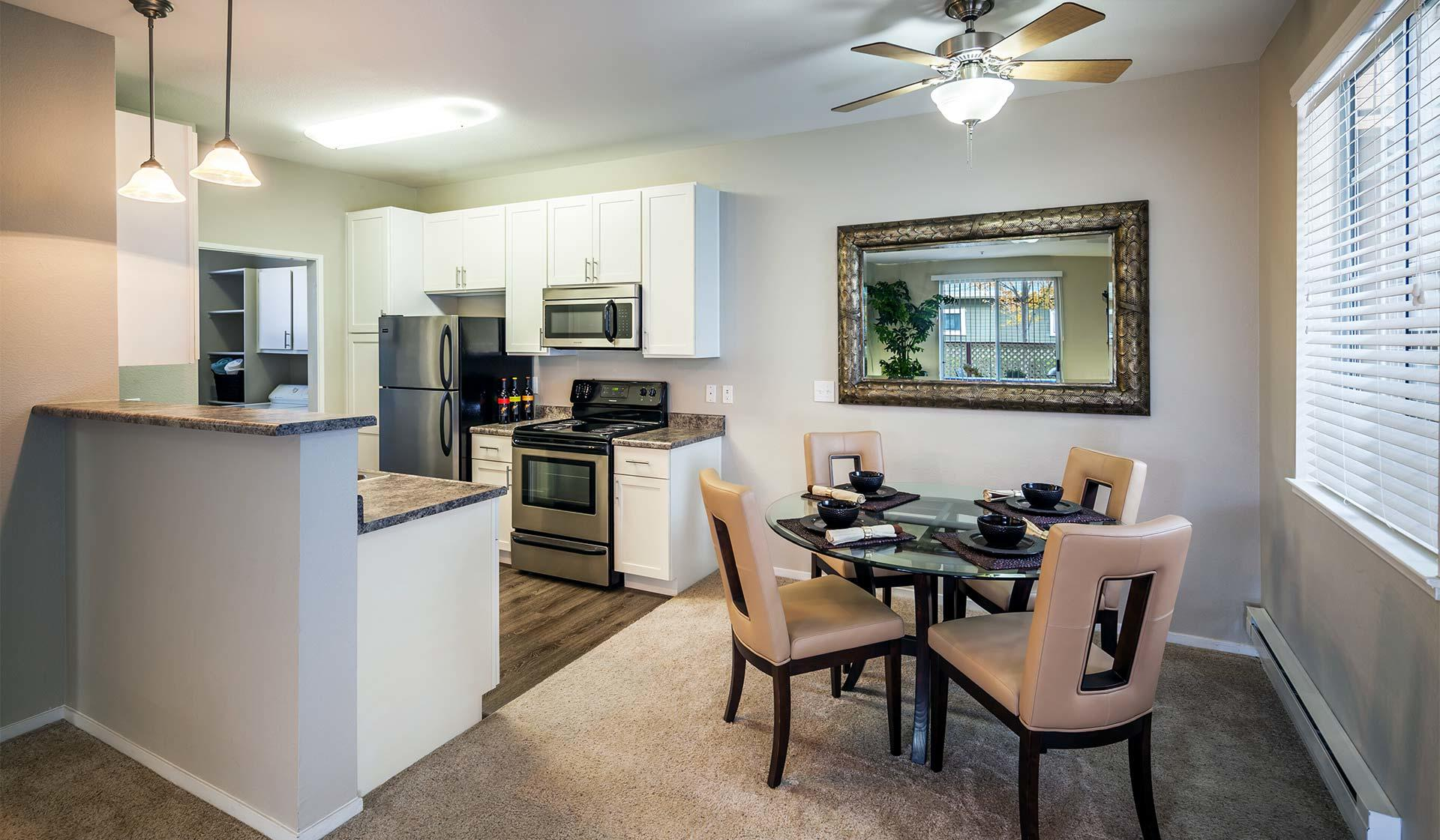 Saybrook Pointe Apartment Homes image 7