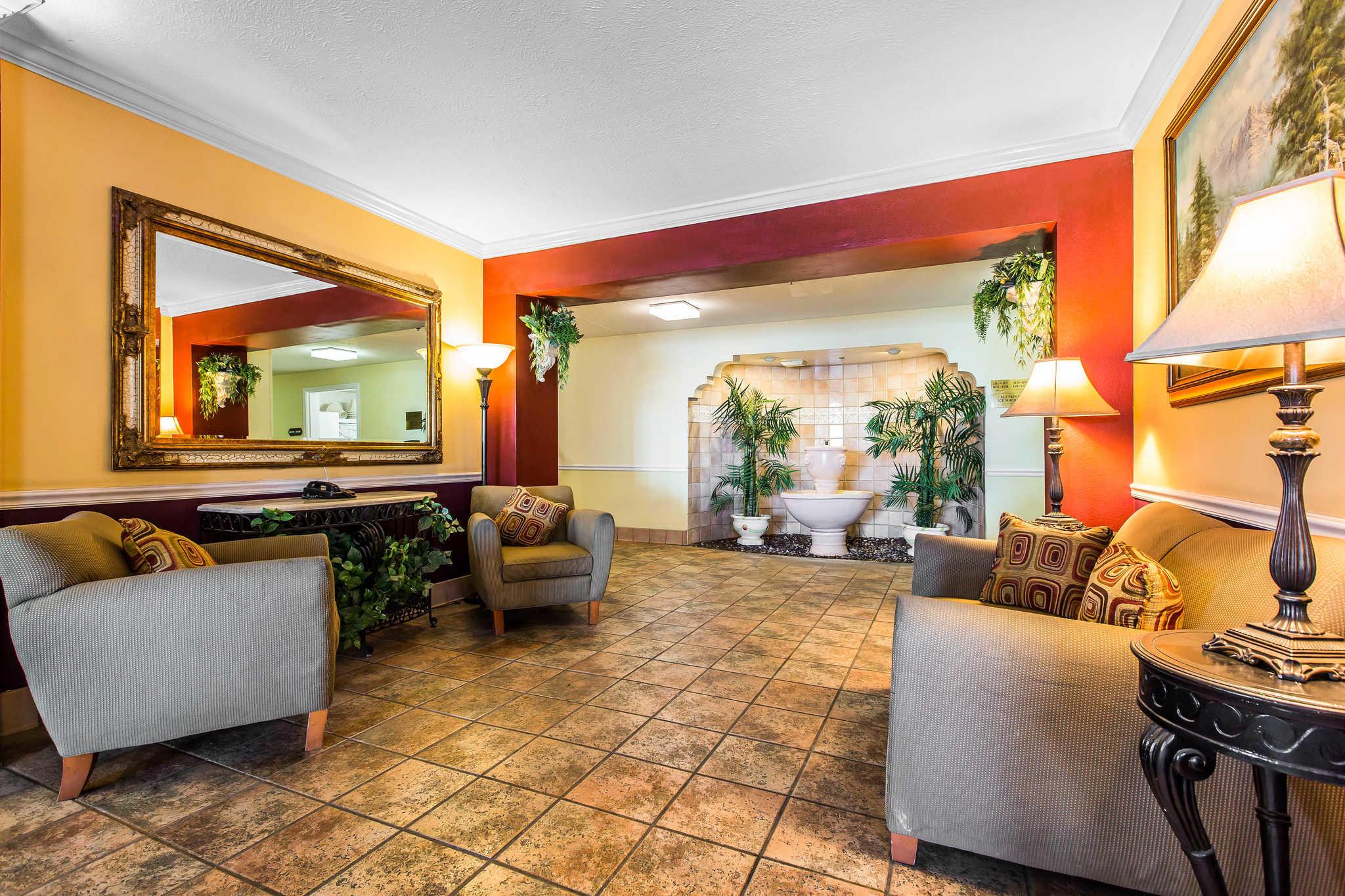 Comfort Inn & Suites El Centro I-8 image 3