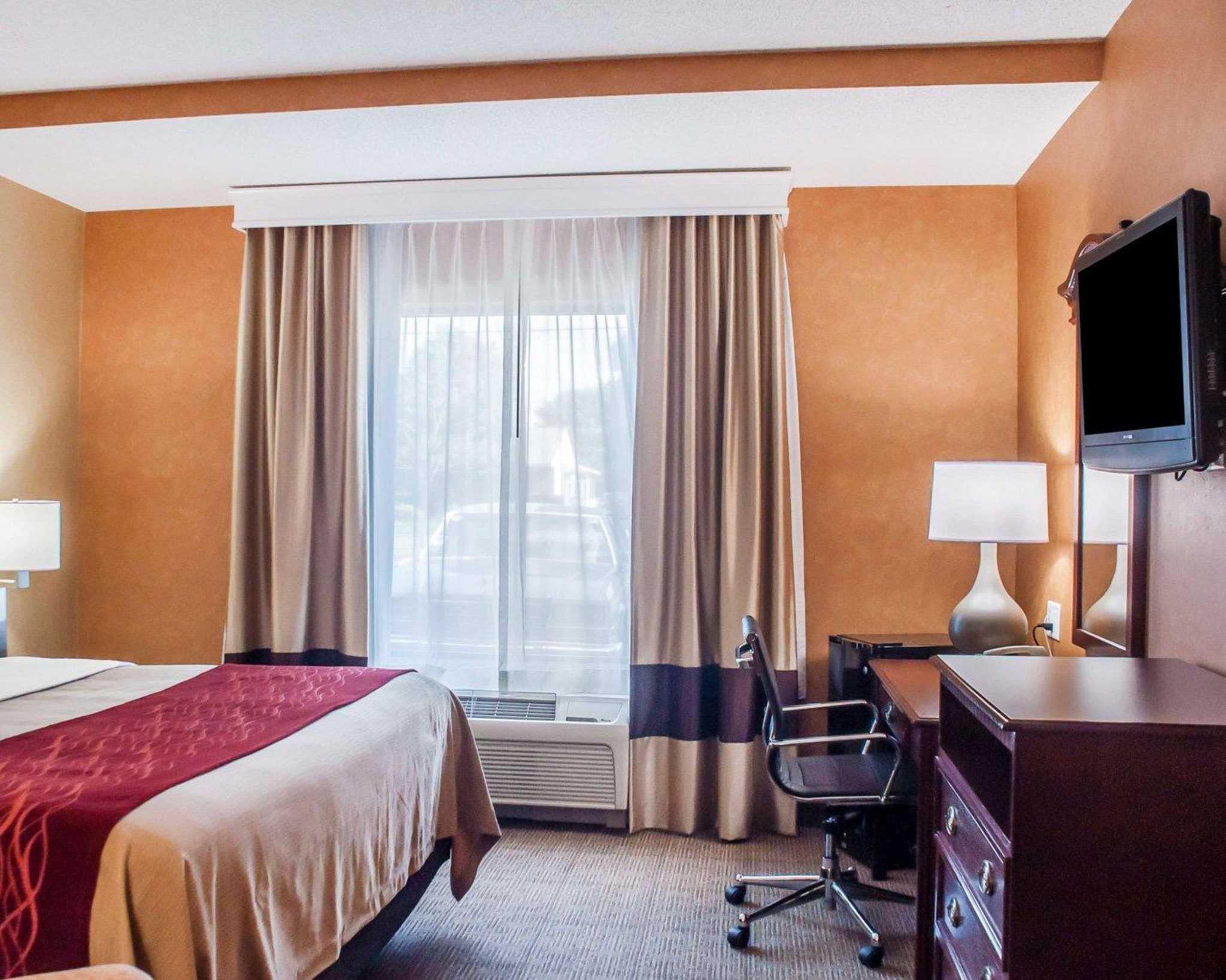 Comfort Inn Near Walden Galleria Mall image 17