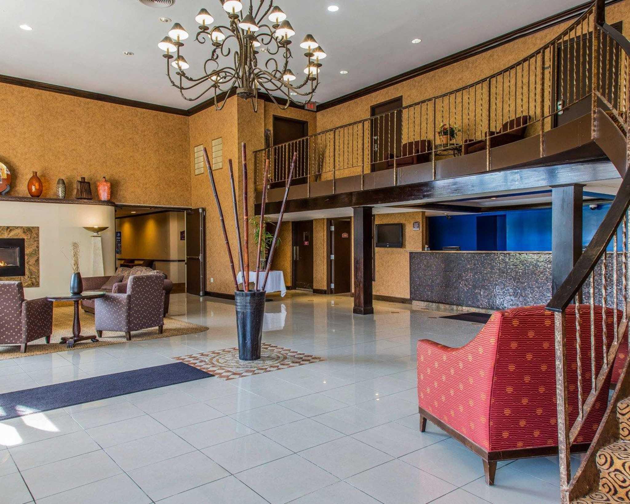 Rodeway Inn & Suites Bradley Airport image 16