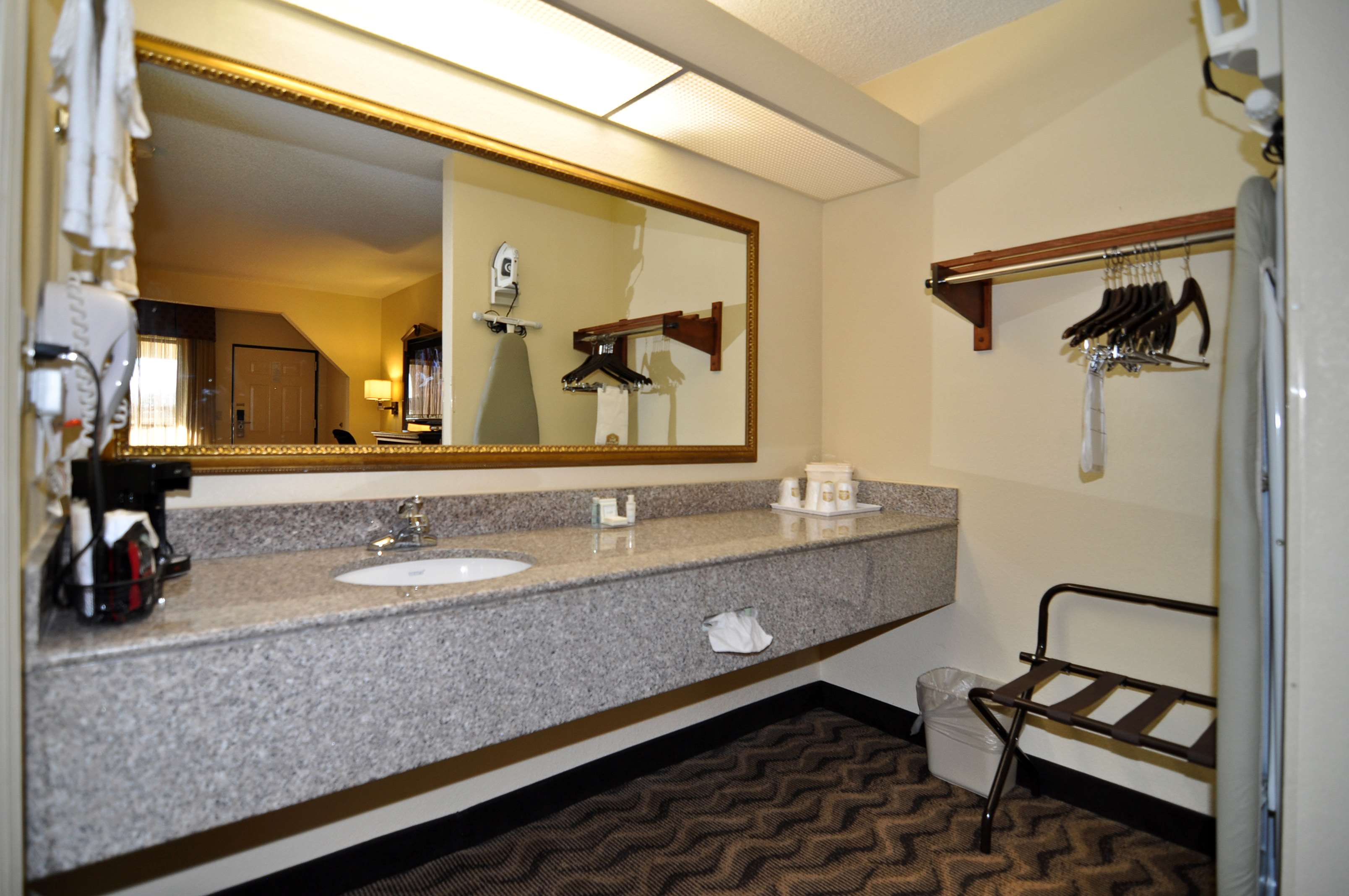 Best Western Andalusia Inn image 20