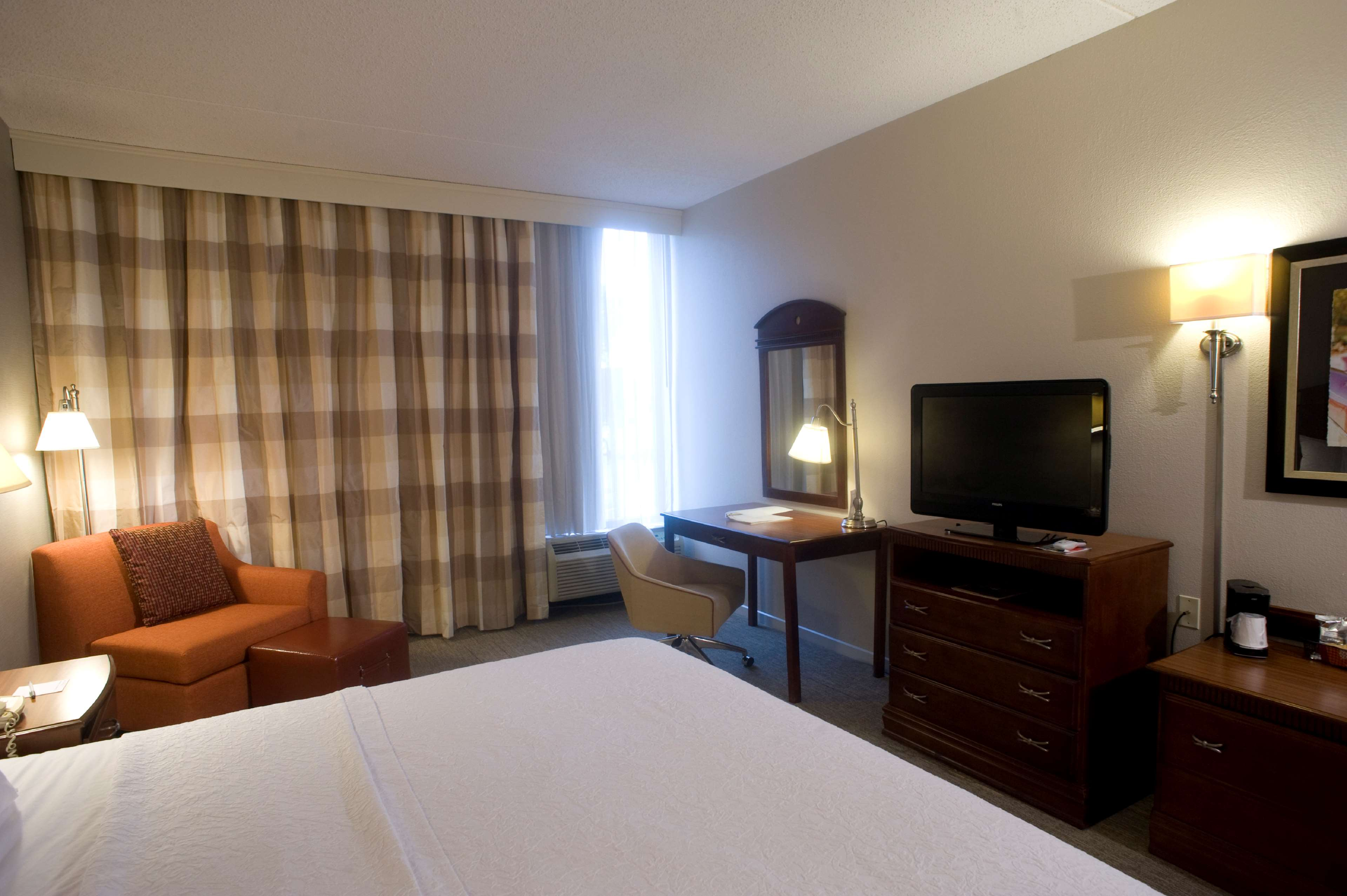 Hampton Inn Springfield-South image 20