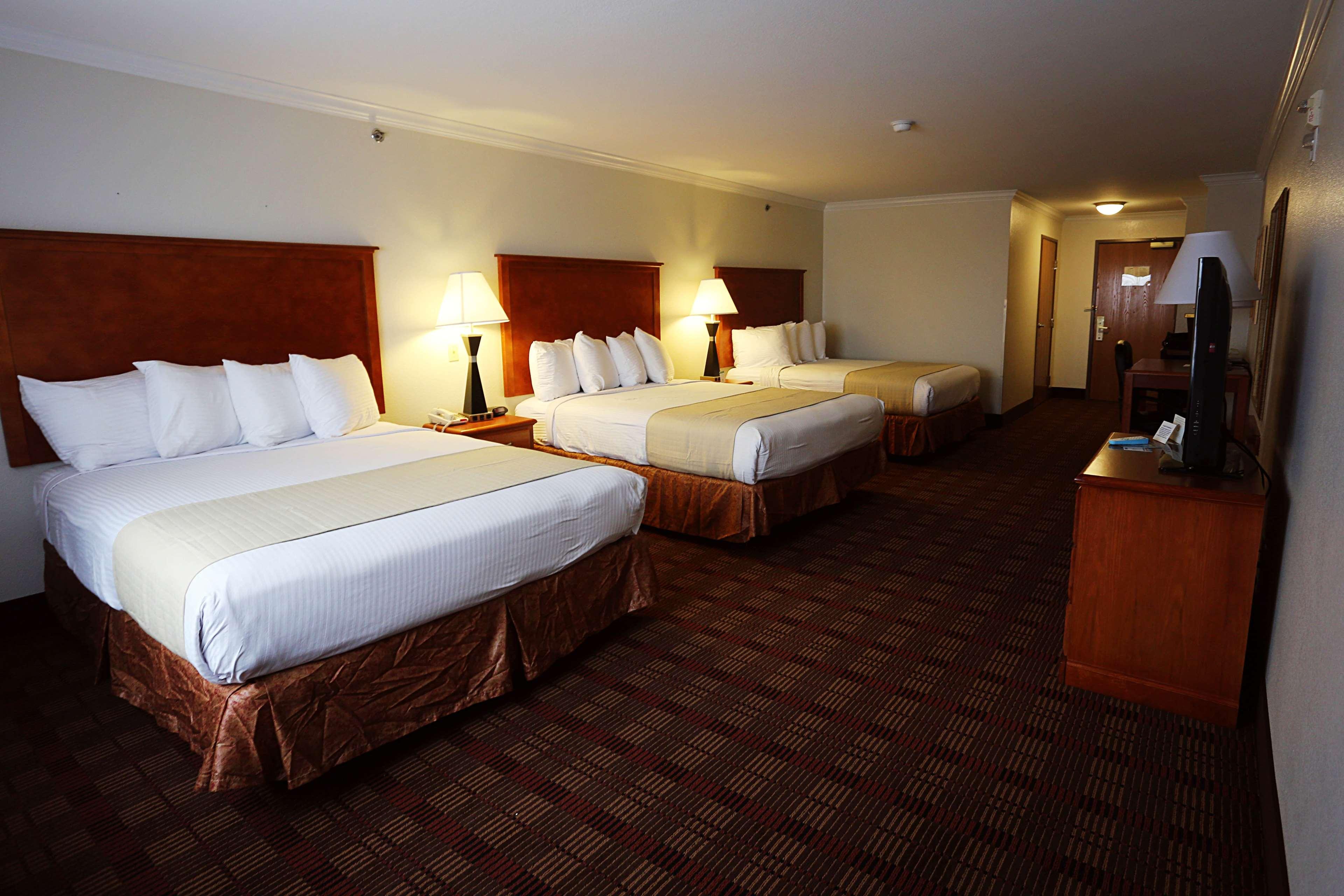 Best Western Club House Inn & Suites image 22