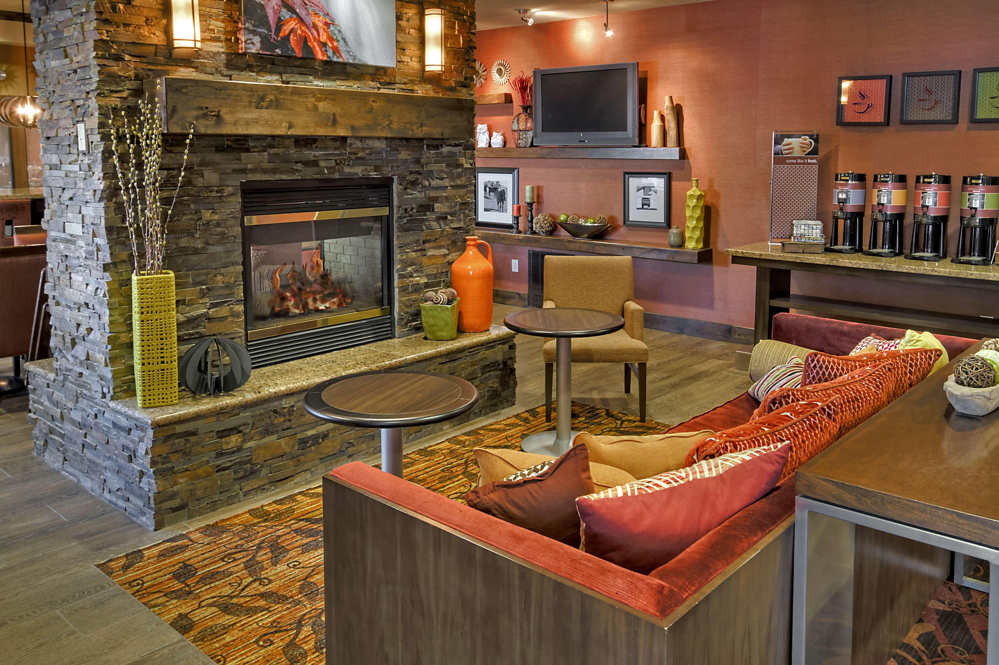 Hampton Inn Twin Falls image 5
