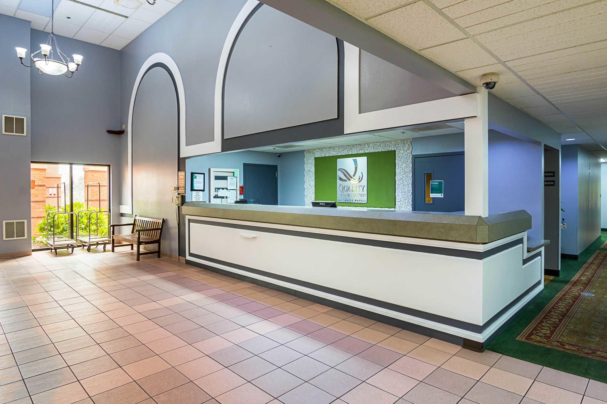 Quality Inn & Suites Kearneysville - Martinsburg image 3