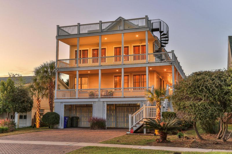 Isle of Palms Vacation Rentals by Exclusive Properties image 23