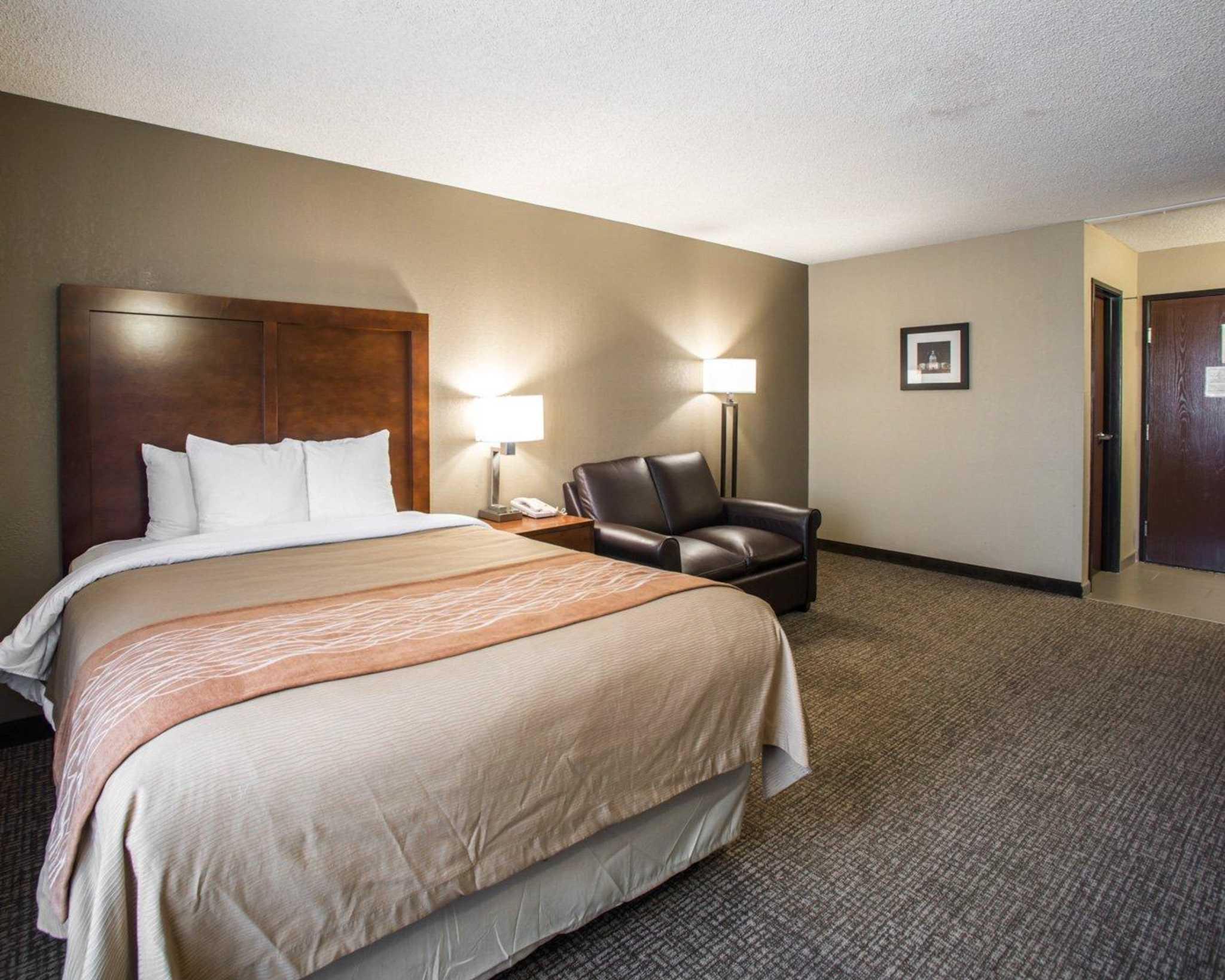 Comfort Inn Amp Suites Hazelwood St Louis Hazelwood Mo