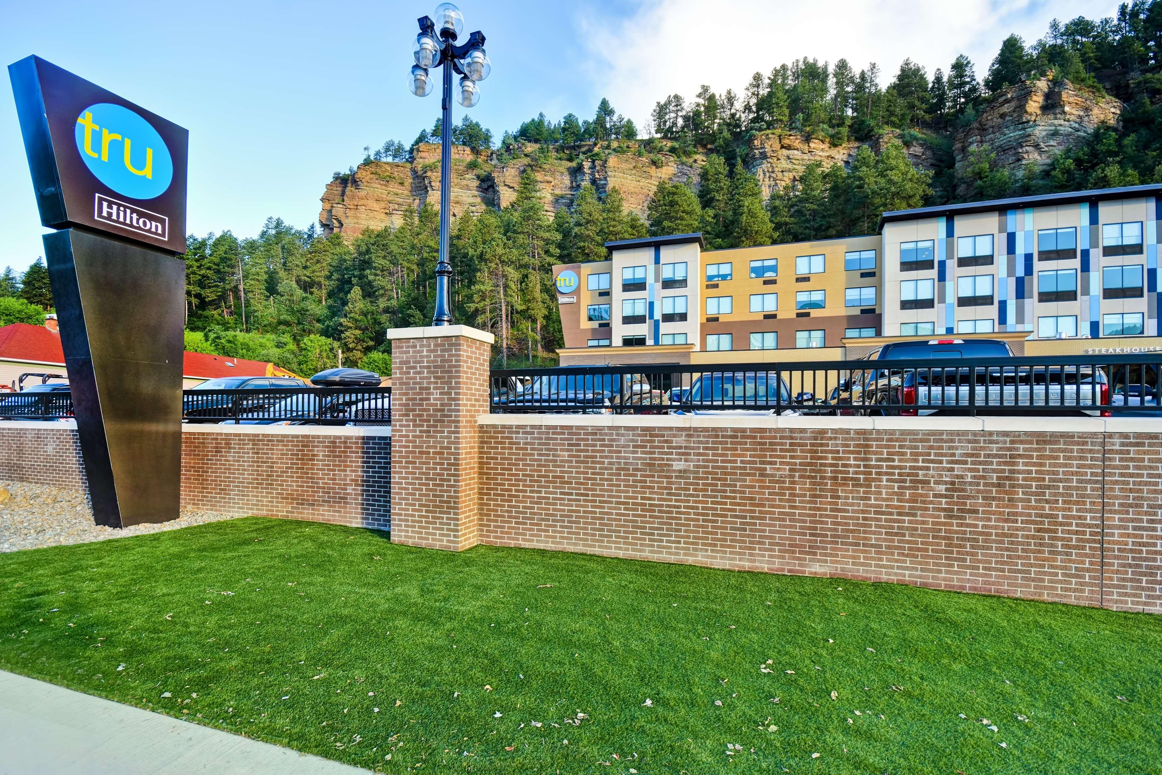 Tru by Hilton Deadwood image 5