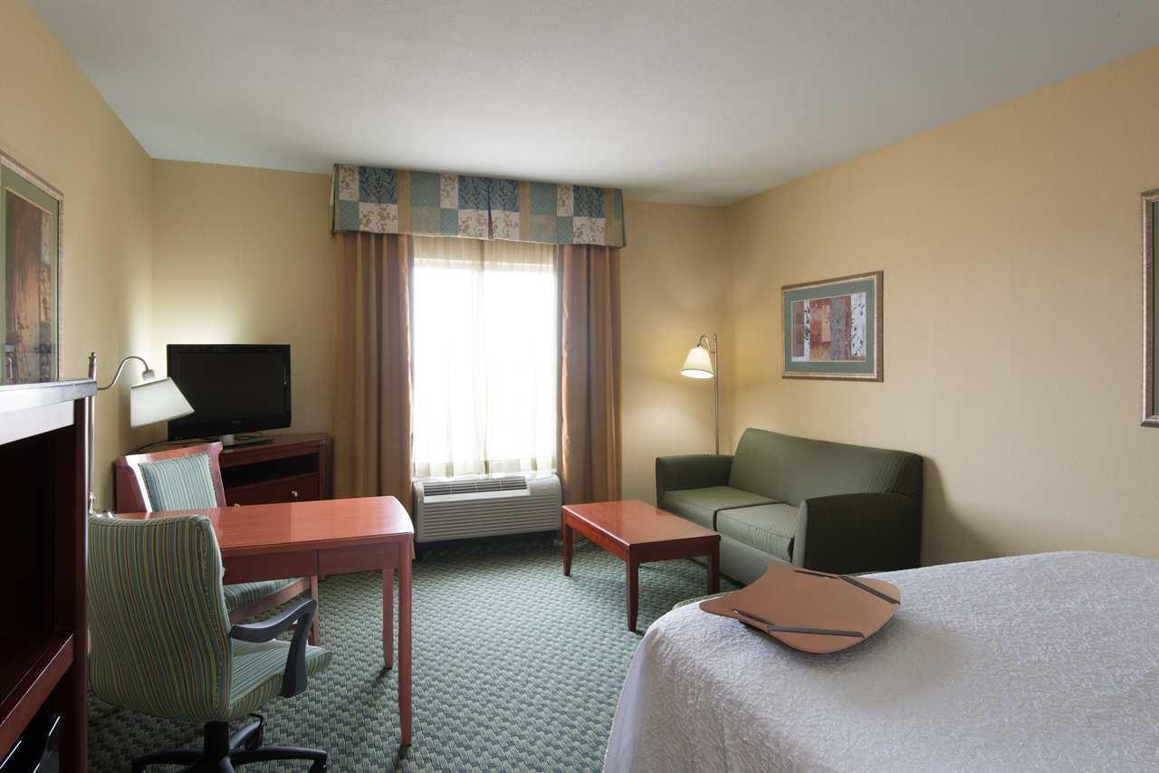 Hampton Inn & Suites El Paso West image 11