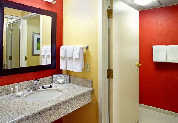 Courtyard by Marriott Columbus Airport image 5