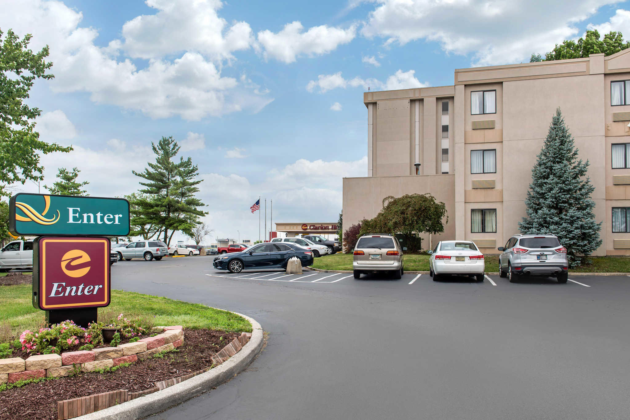 Quality Inn Airport image 2
