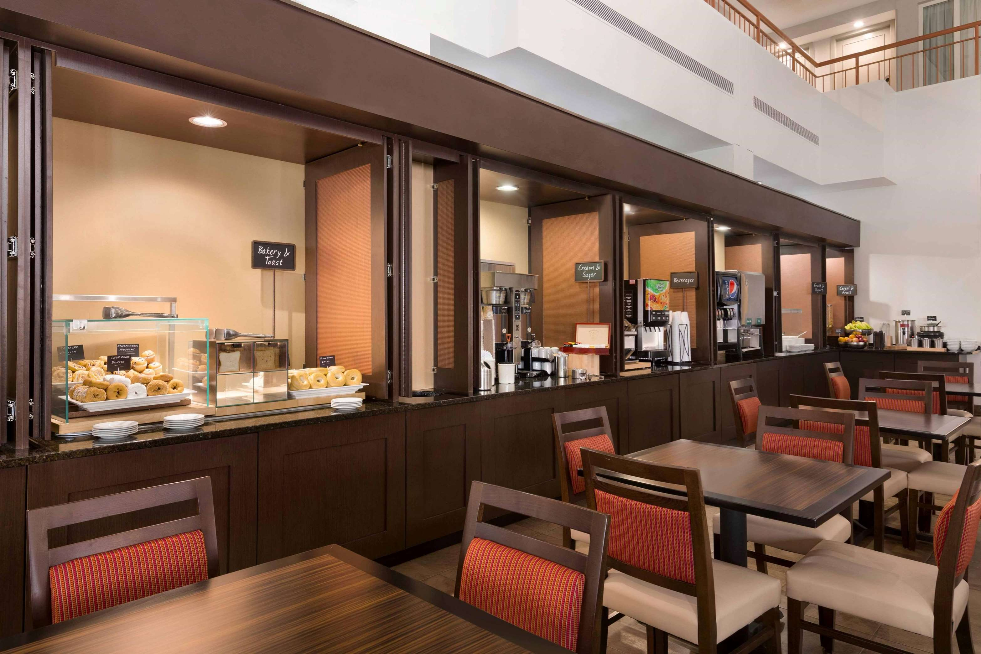 Embassy Suites by Hilton Baltimore at BWI Airport image 34