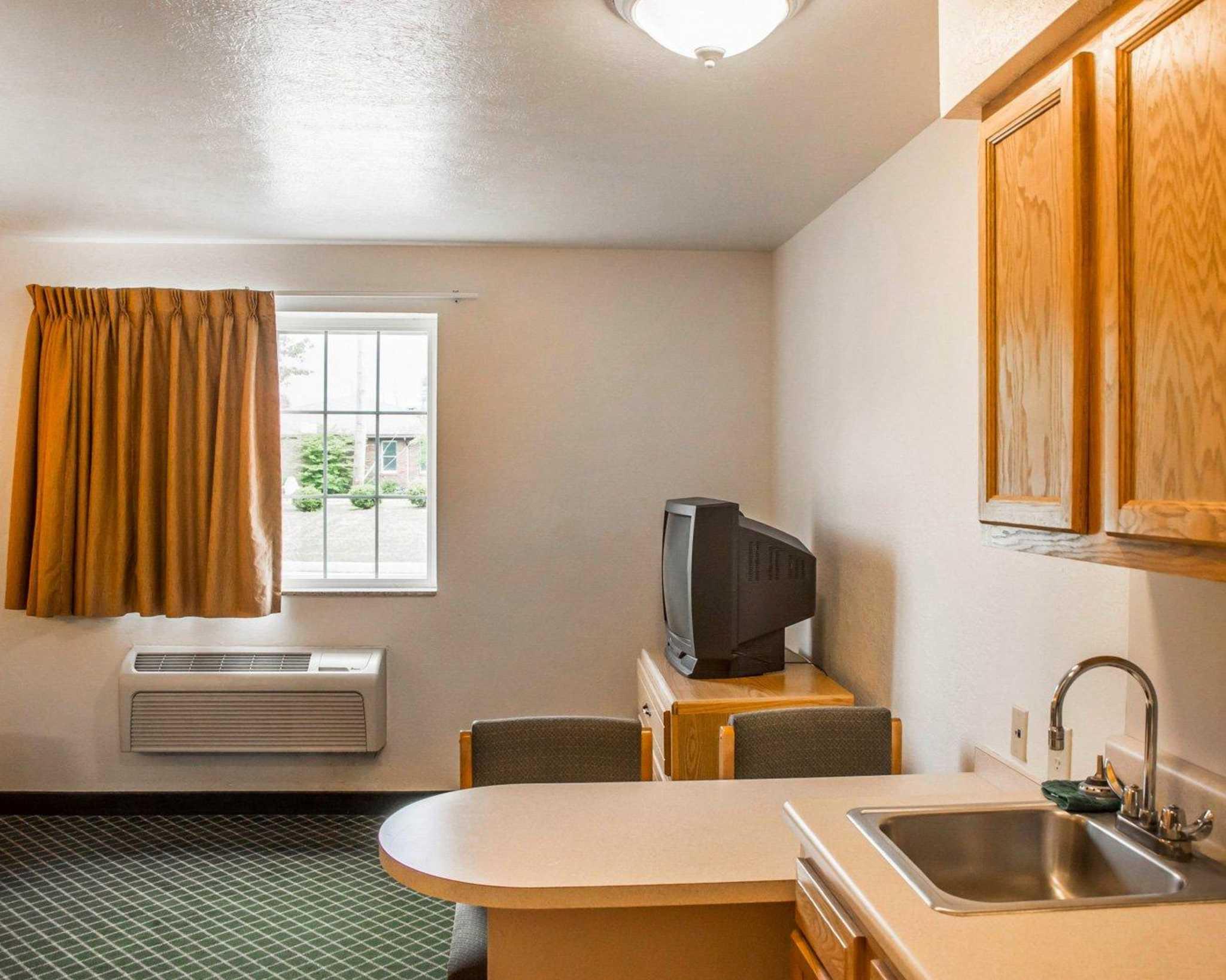 Suburban Extended Stay Hotel Dayton-WP AFB image 16
