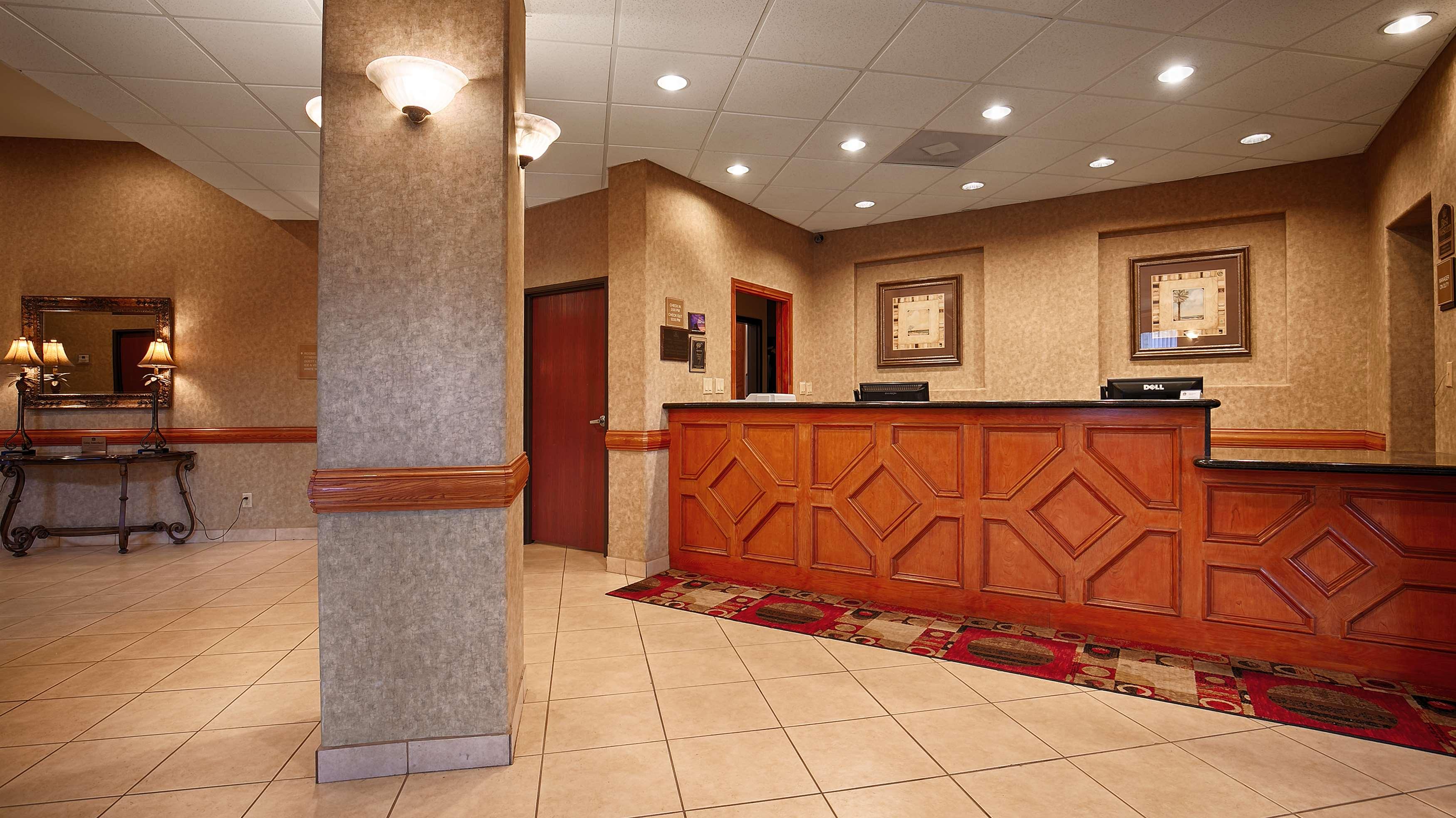 Best Western Casa Villa Suites image 28