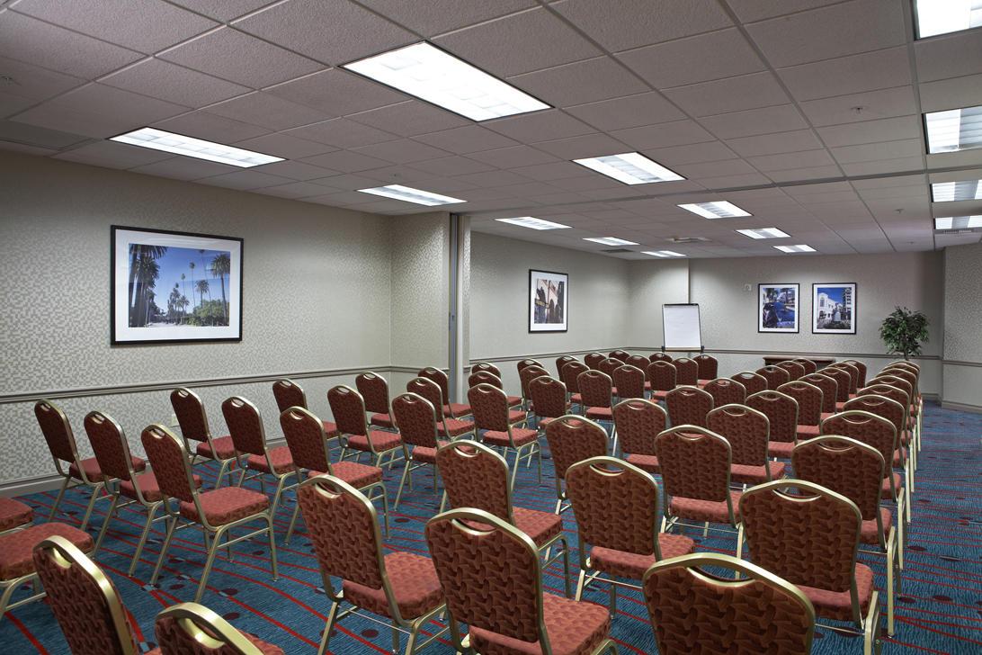 Residence Inn by Marriott Beverly Hills image 13