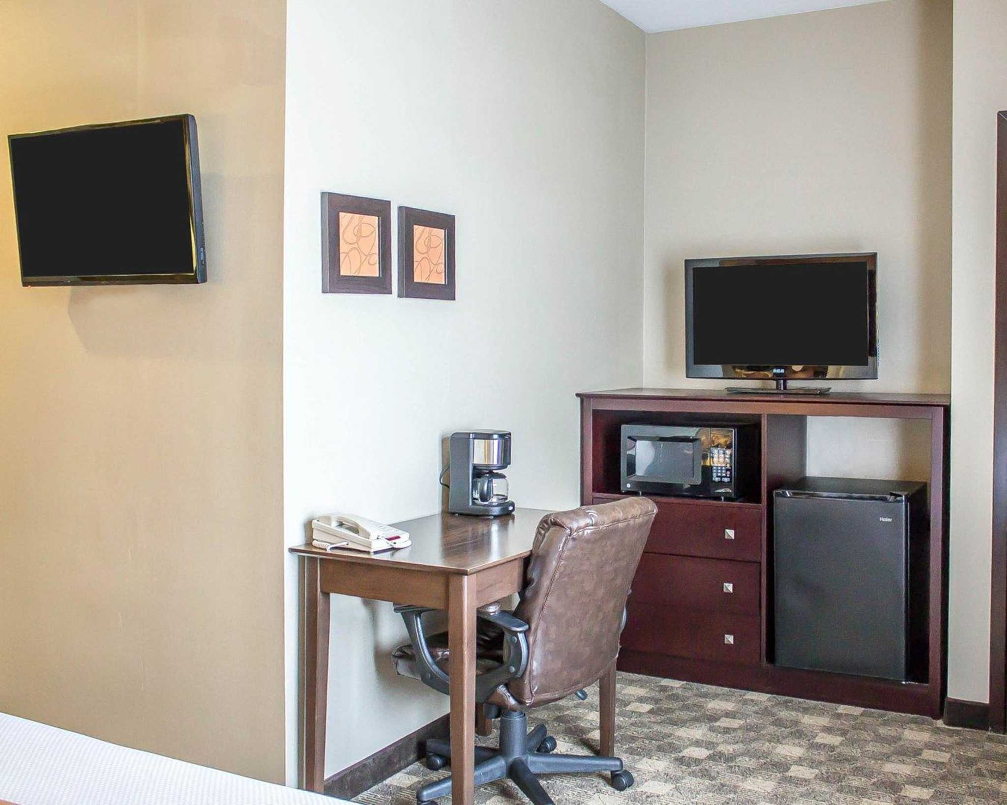 Comfort Suites Perrysburg - Toledo South image 23