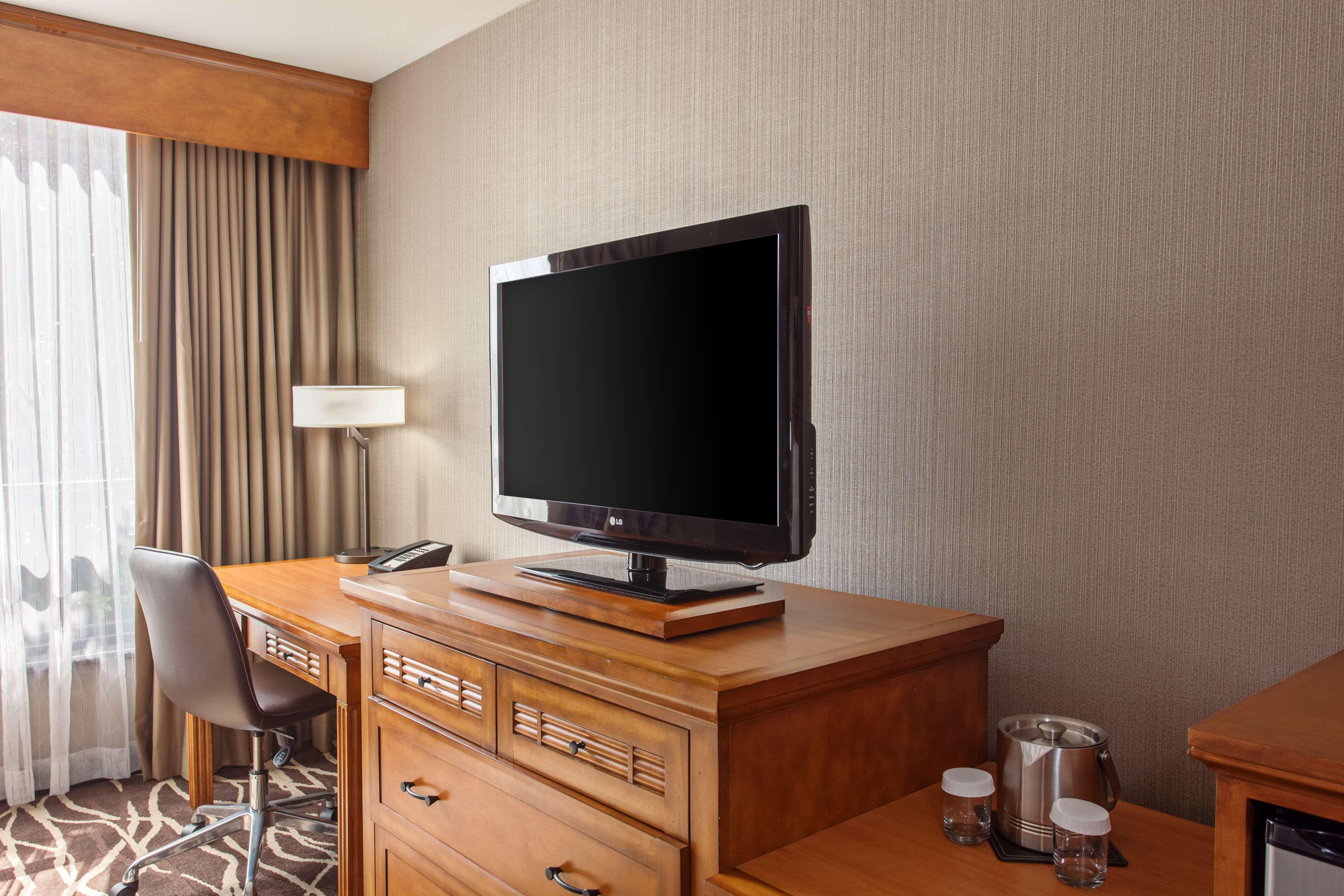 DoubleTree by Hilton Hotel San Bernardino image 14