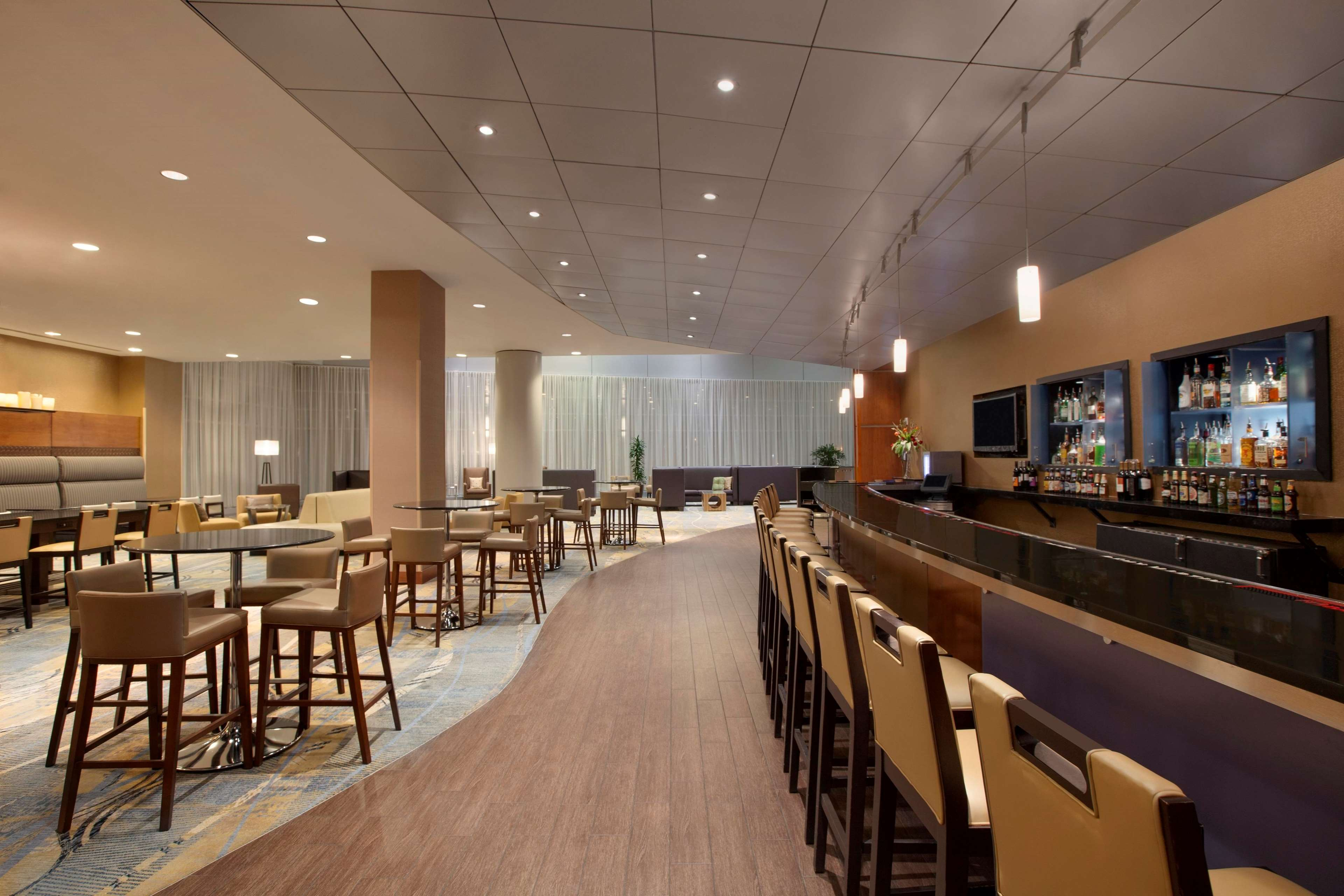 Hilton Baltimore BWI Airport image 5
