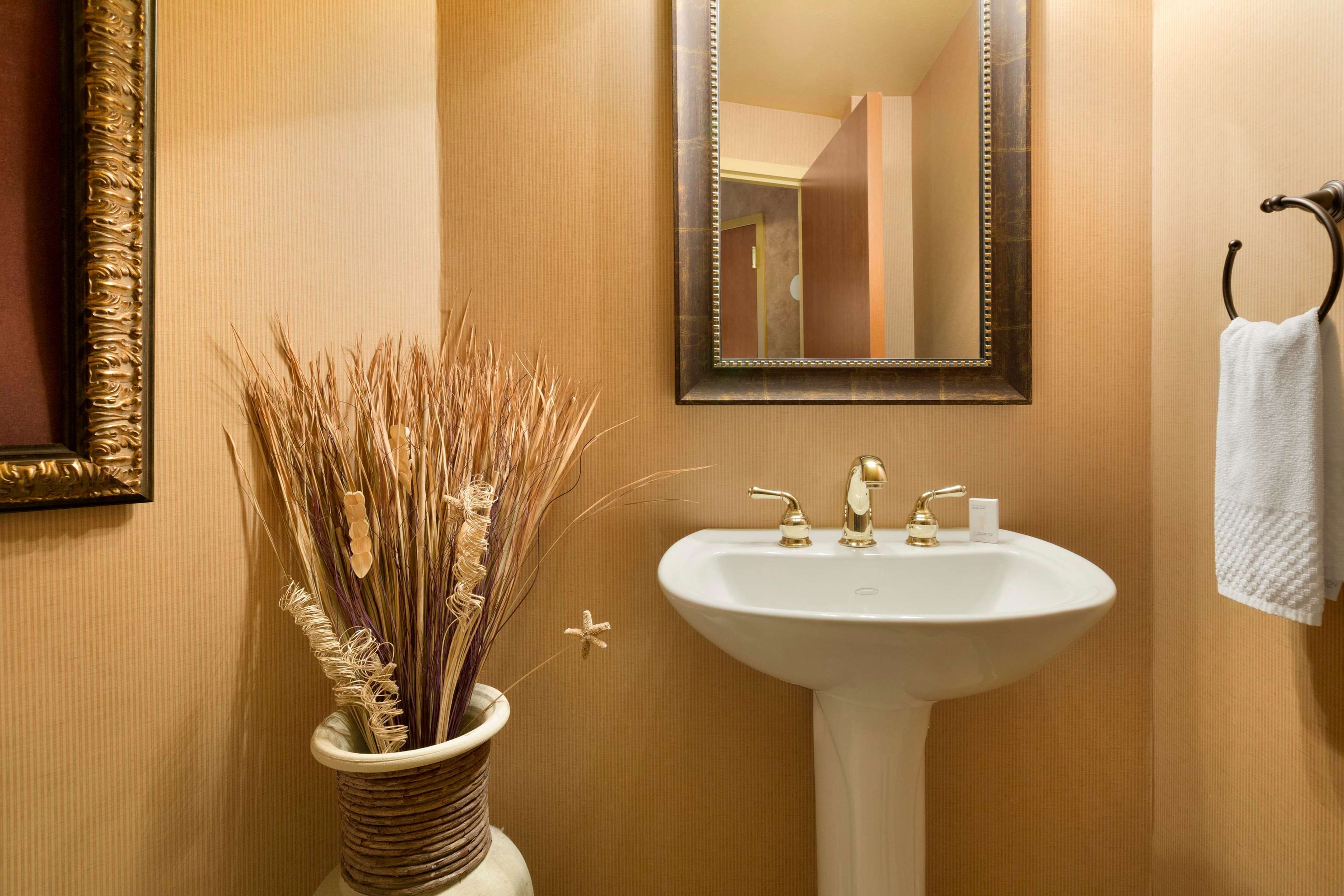 Embassy Suites by Hilton Albuquerque Hotel & Spa image 14