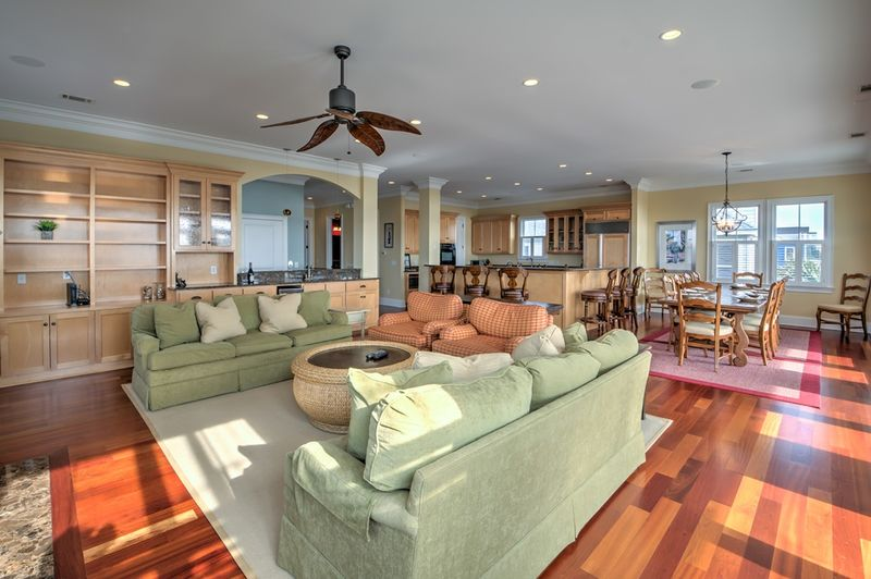 Isle of Palms Vacation Rentals by Exclusive Properties image 98