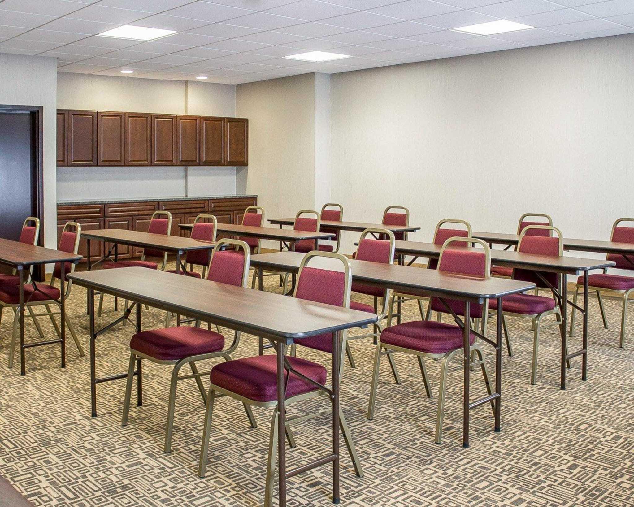 Comfort Suites Perrysburg - Toledo South image 11