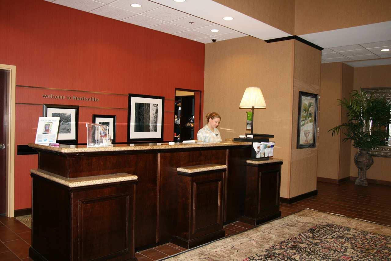 Hampton Inn & Suites Huntsville Hampton Cove image 3