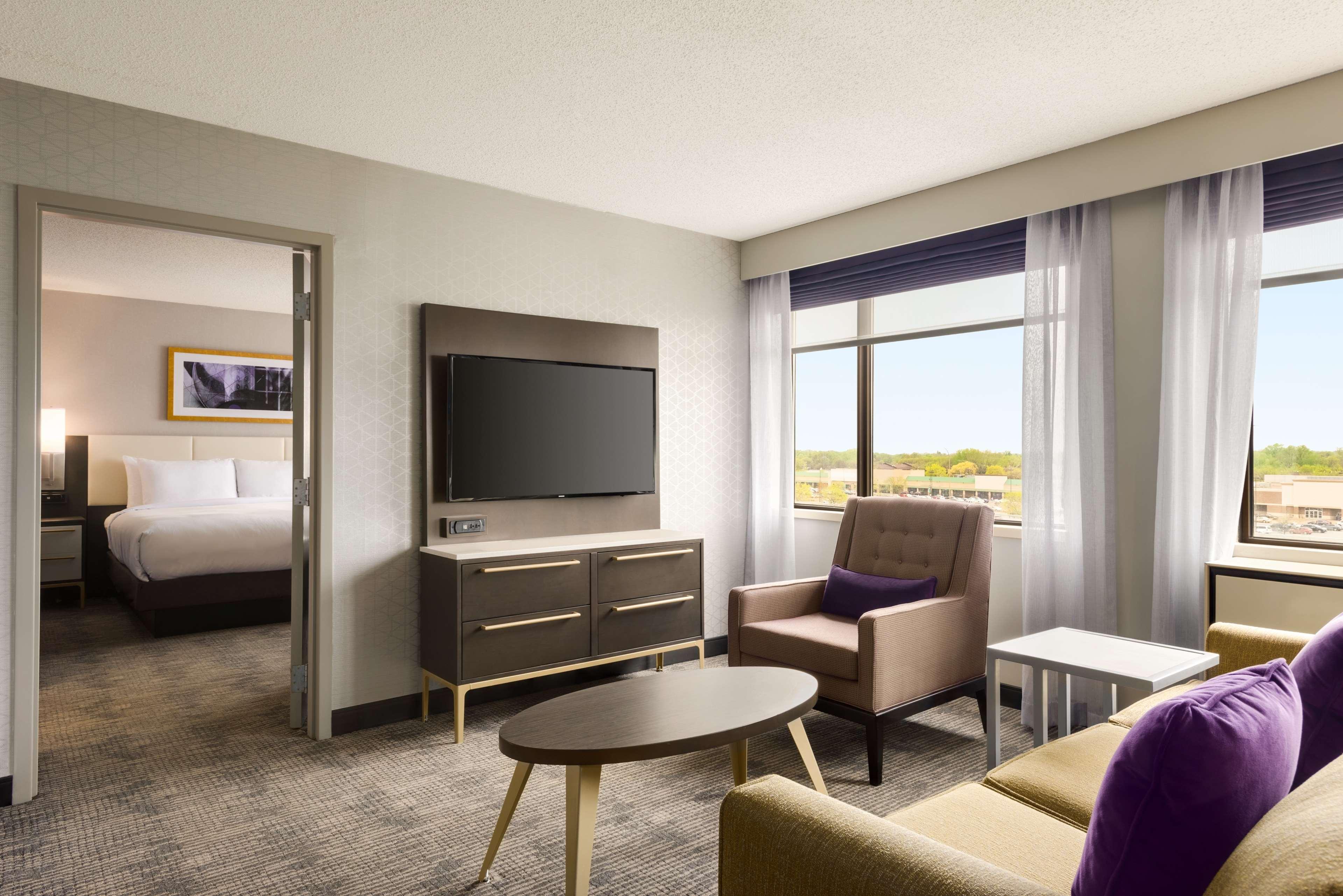 DoubleTree by Hilton St. Paul East image 21