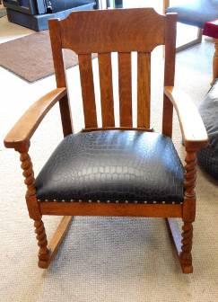 Harold's Upholstery Inc. image 0