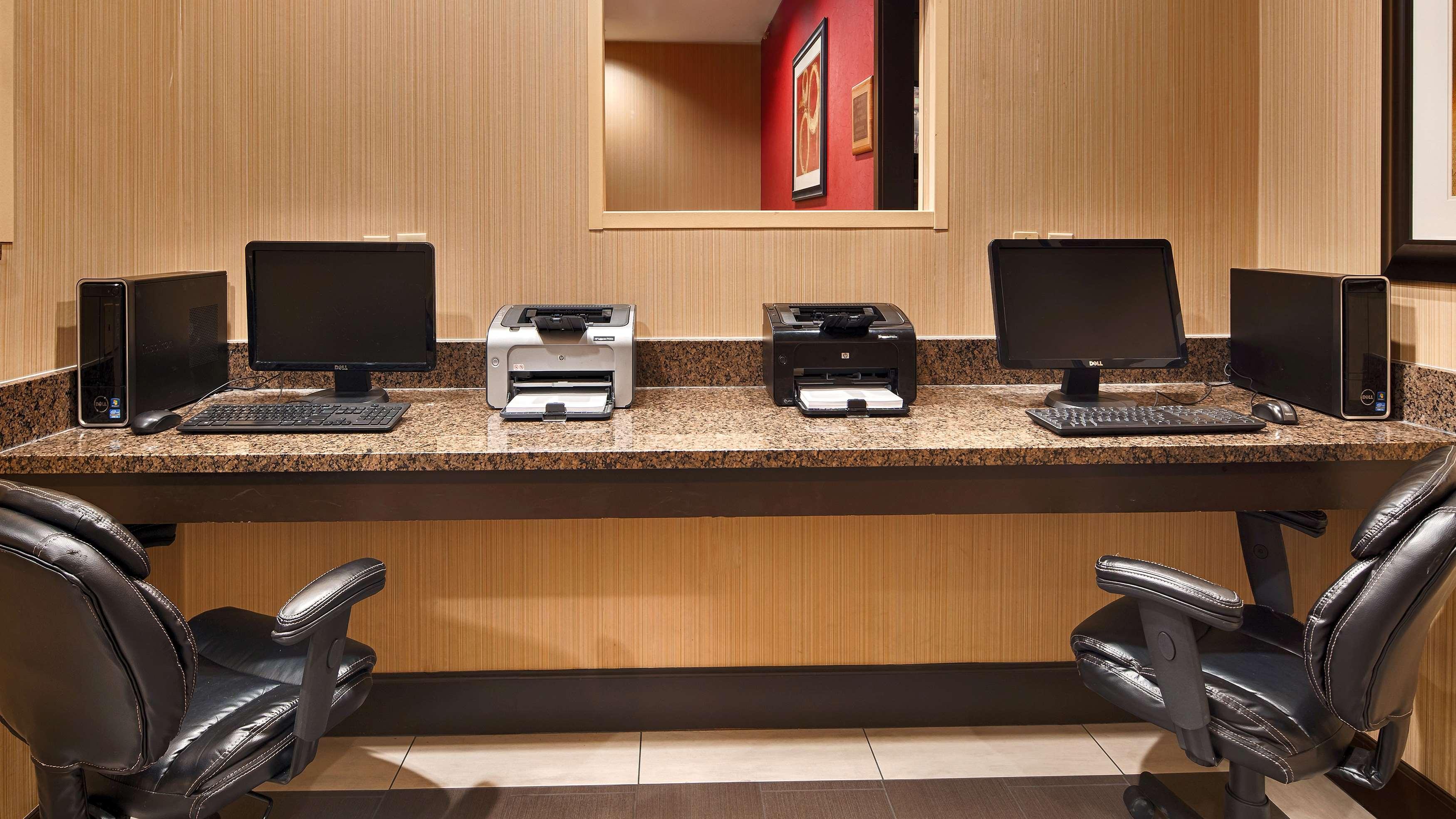 Best Western Plus Denton Inn & Suites image 36