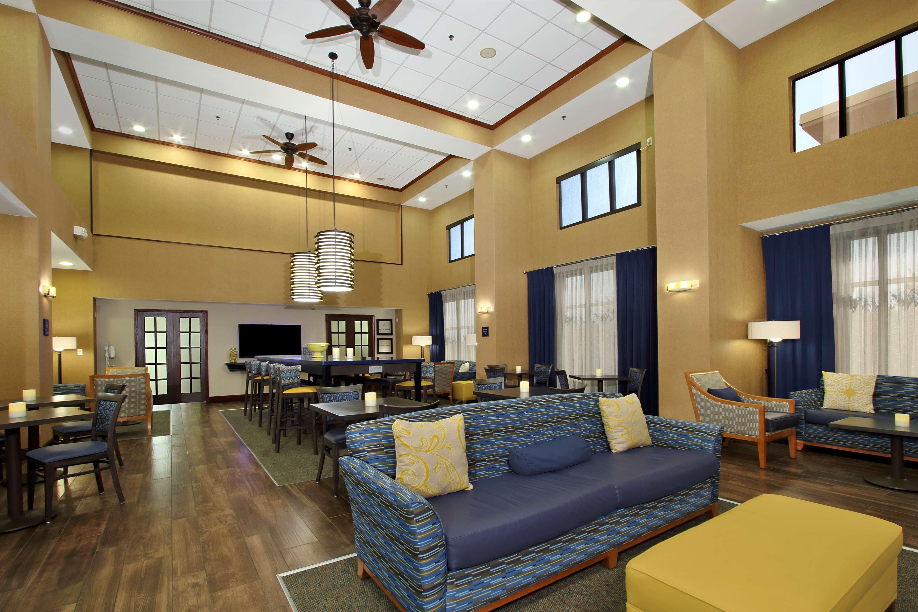 Hampton Inn & Suites Murray image 2