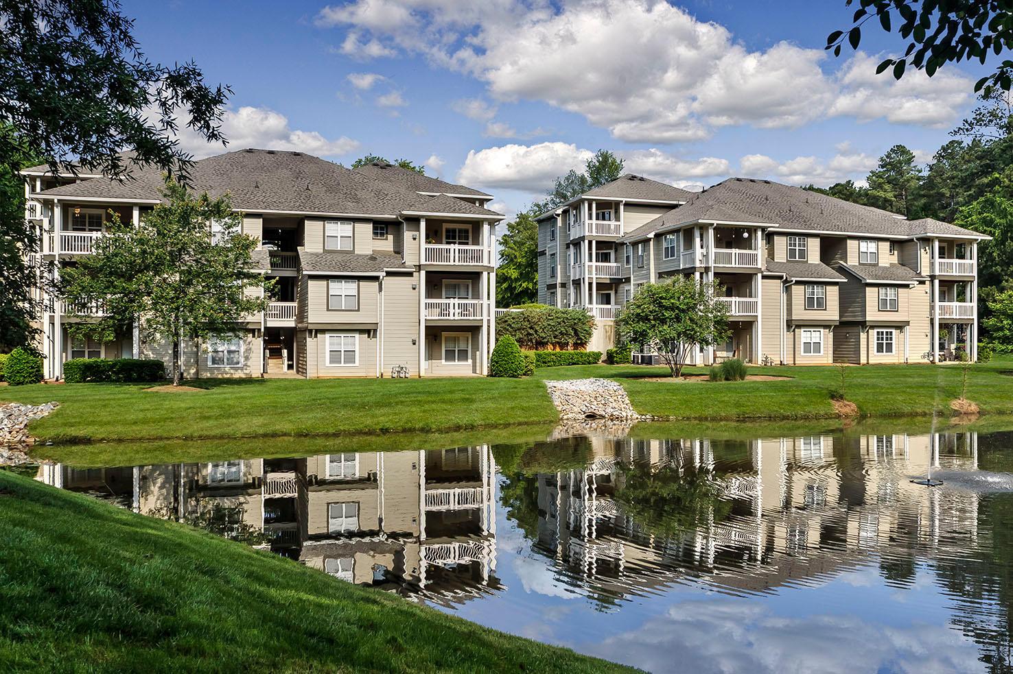 Camden Lake Pine Apartments image 24
