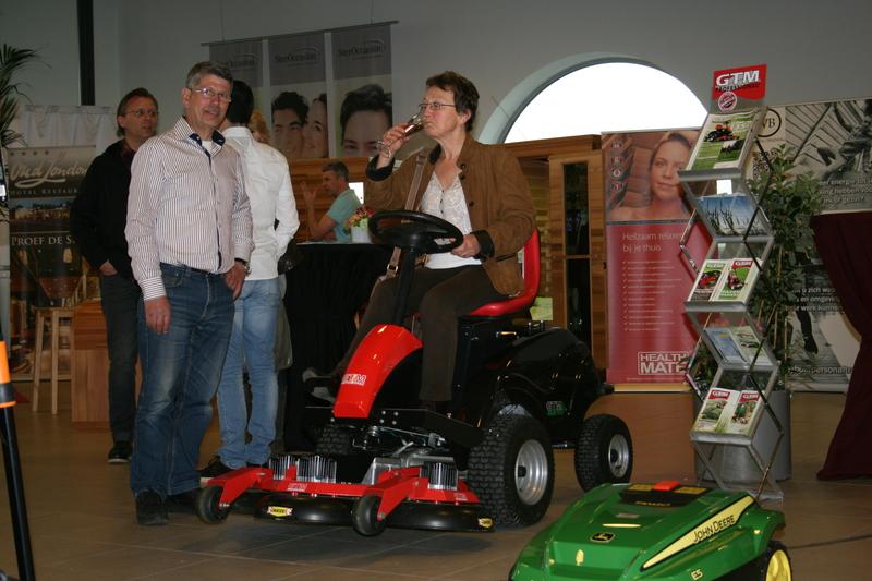 Johan Hofland Tuin- en Parkmachinehandel