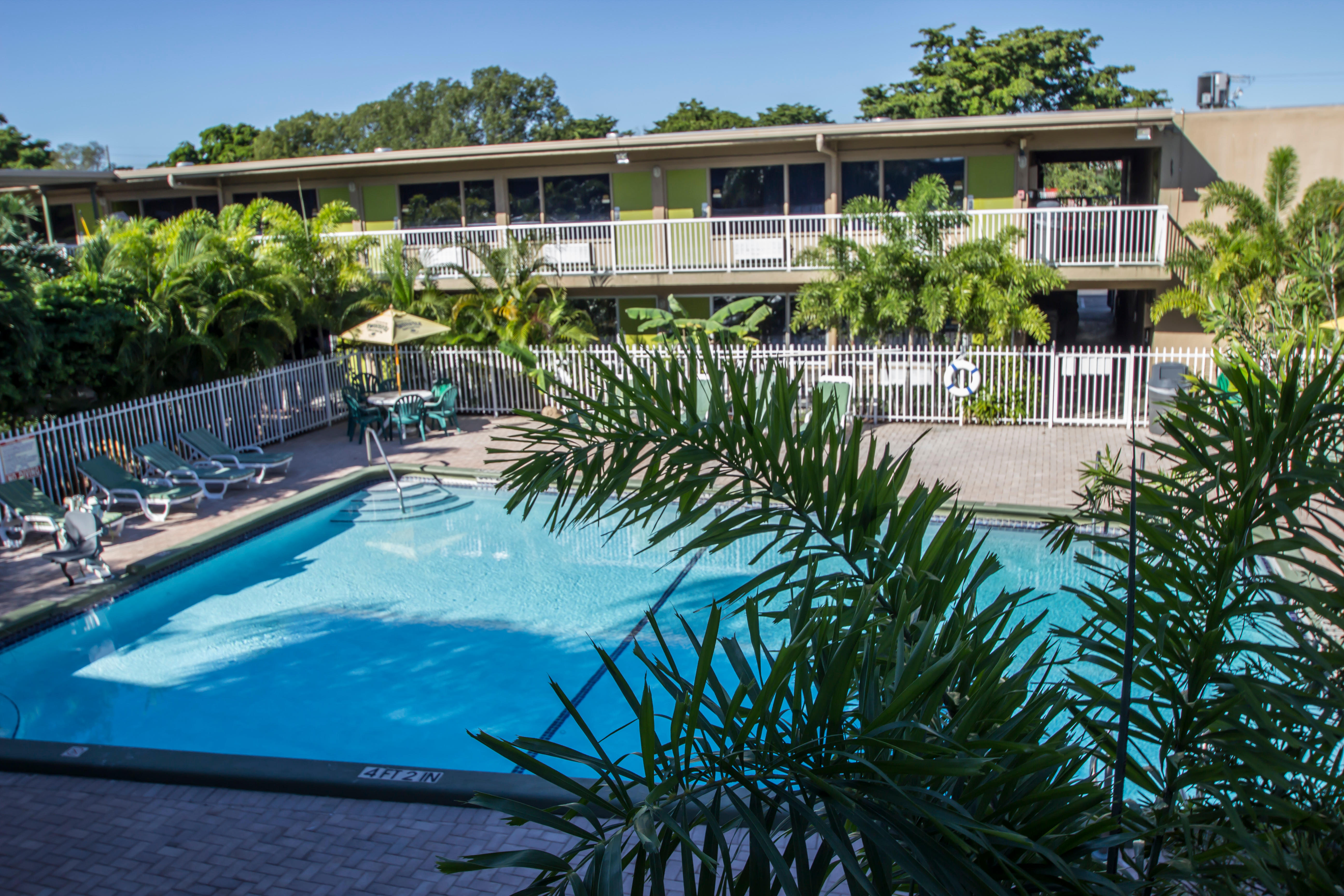 Rodeway Inn & Suites Fort Lauderdale Airport and Port Everglades Cruise Port Hotel