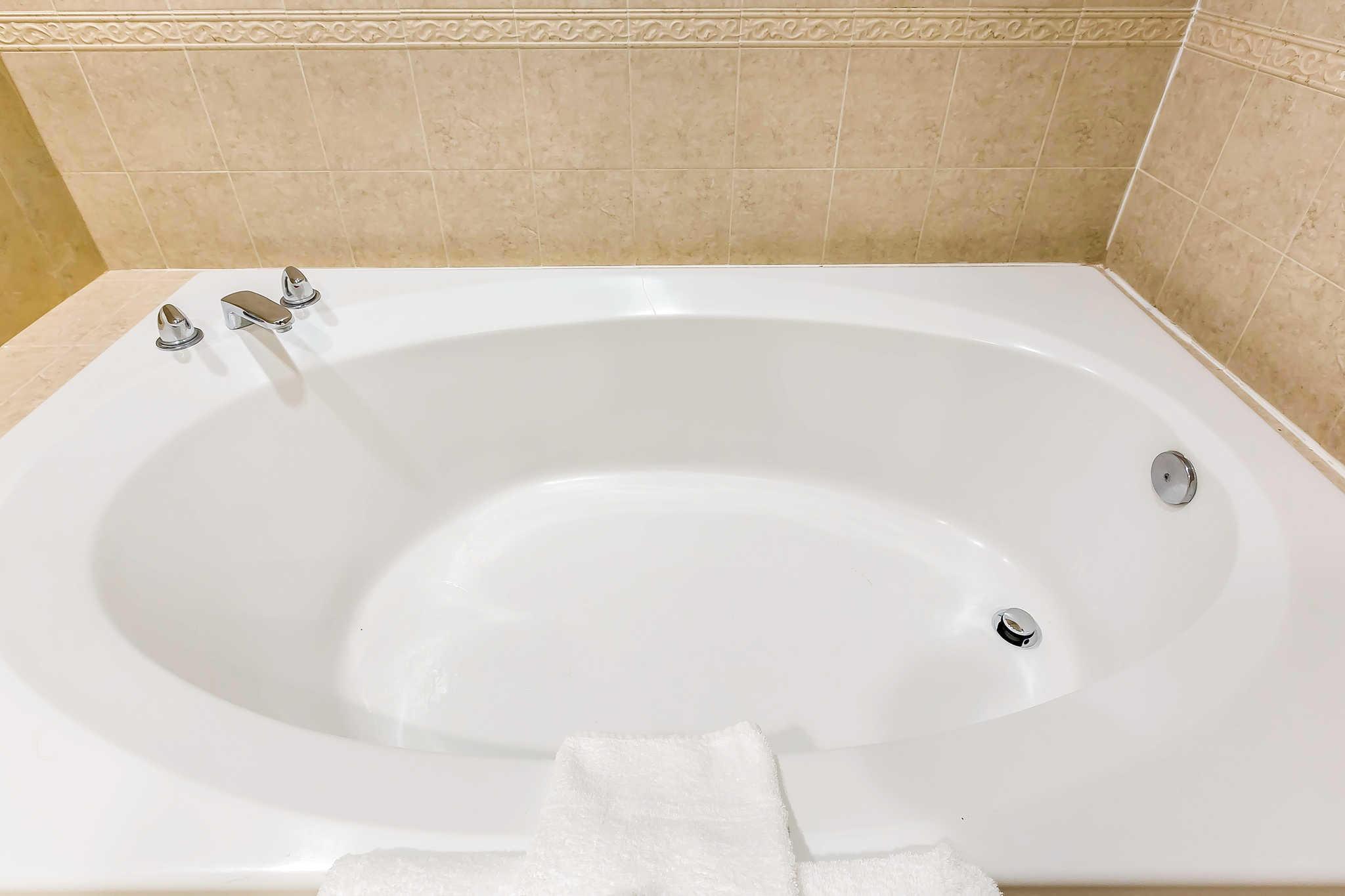 Quality Inn & Suites Irvine Spectrum image 38