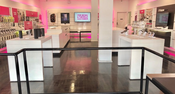 T Mobile Store At 2401 N Broadway Los Angeles Ca T Mobile