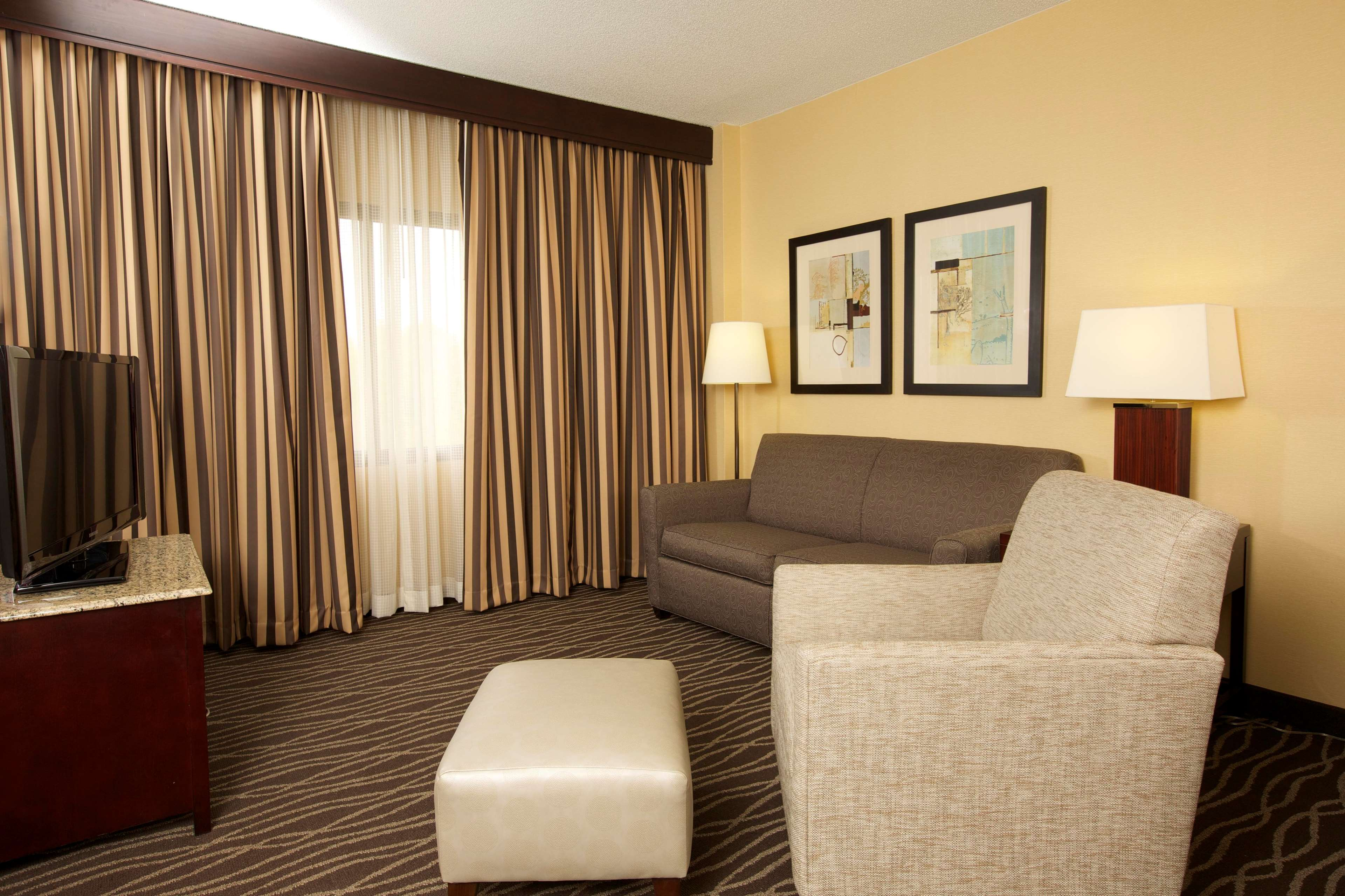 DoubleTree Suites by Hilton Hotel Raleigh - Durham image 30
