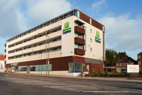 holiday inn express london golders green a406 hotels. Black Bedroom Furniture Sets. Home Design Ideas