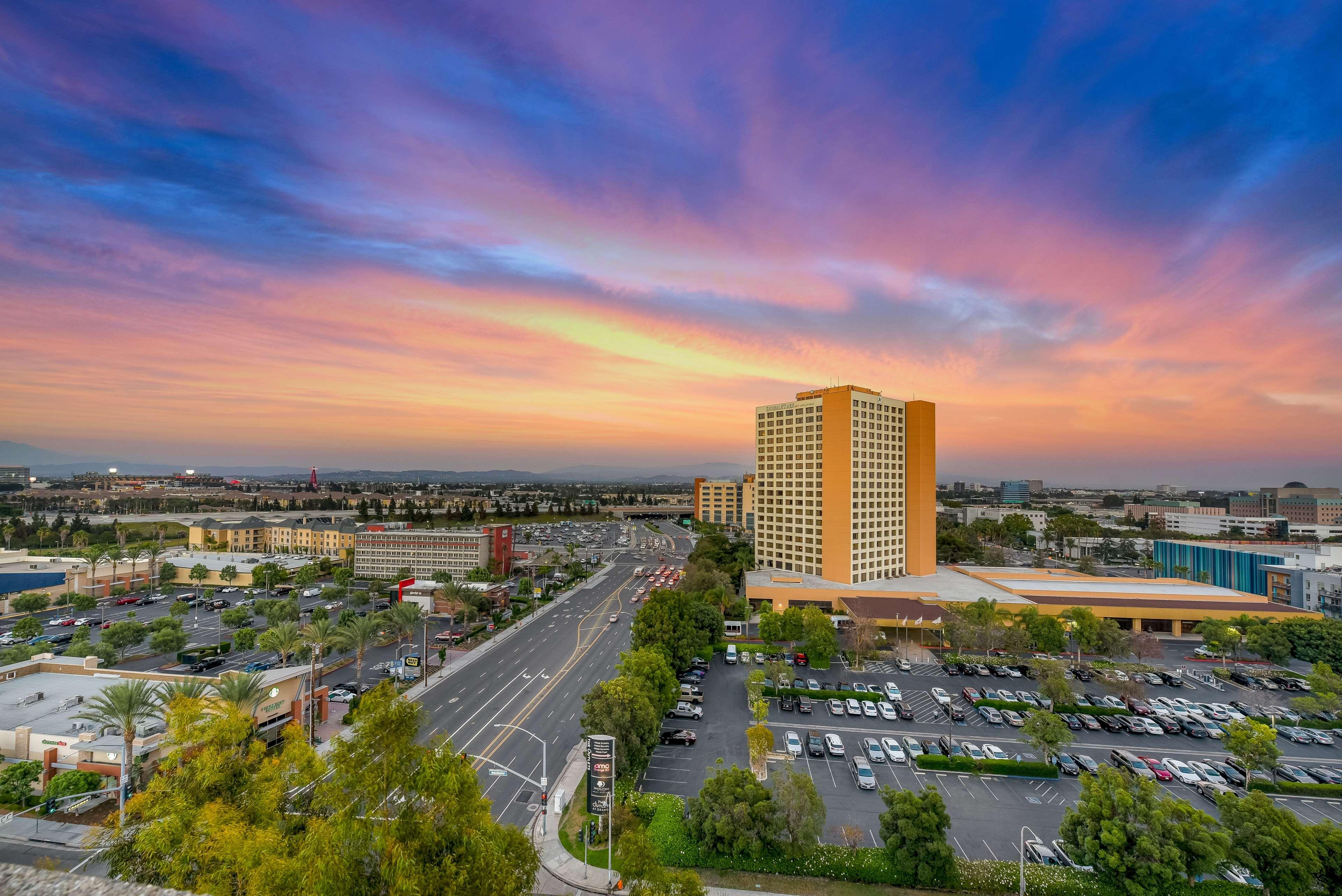 DoubleTree by Hilton Hotel Anaheim - Orange County image 9