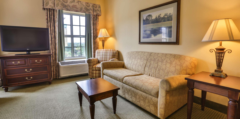 Hampton Inn & Suites Savannah Historic District image 33