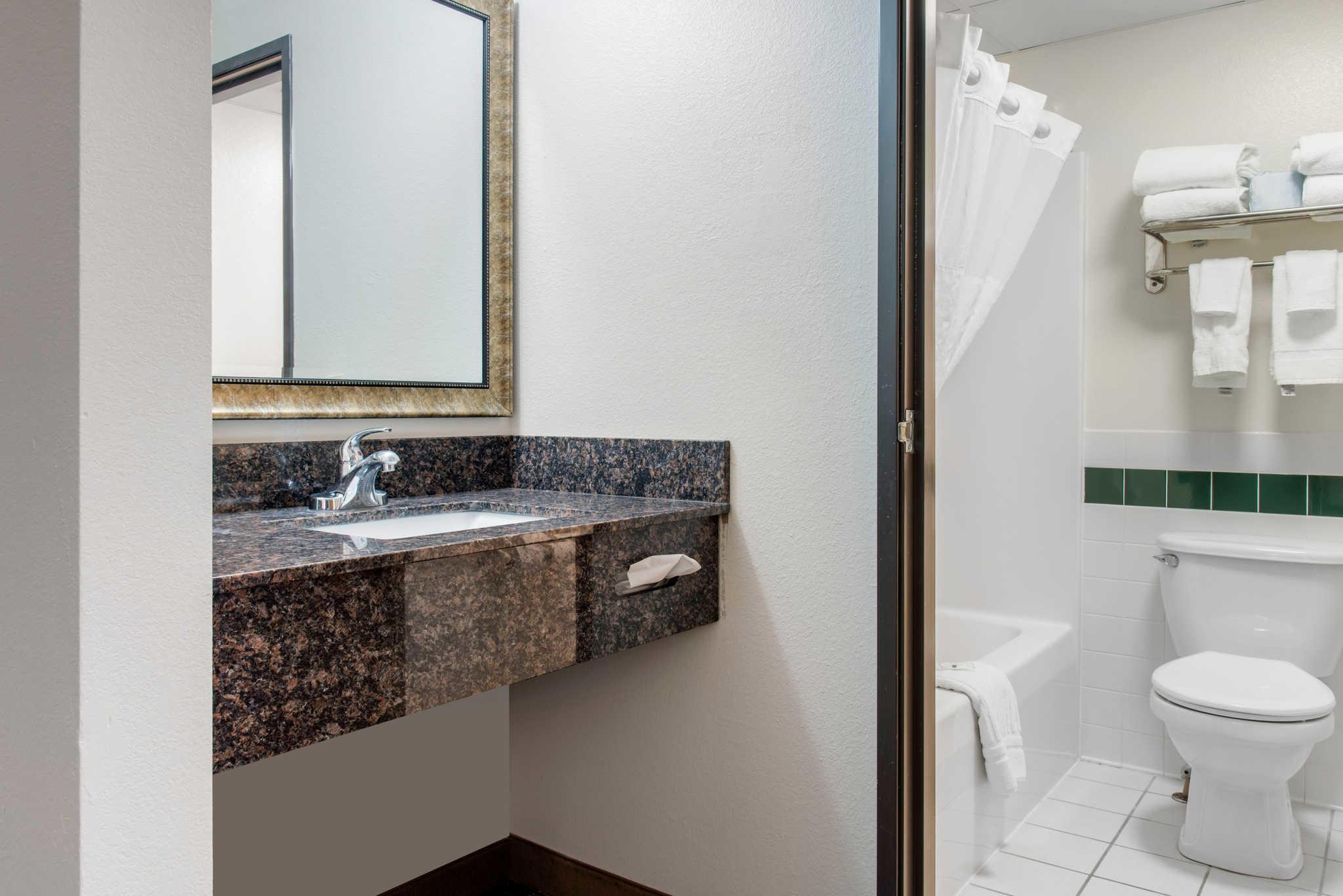 Quality Inn image 48