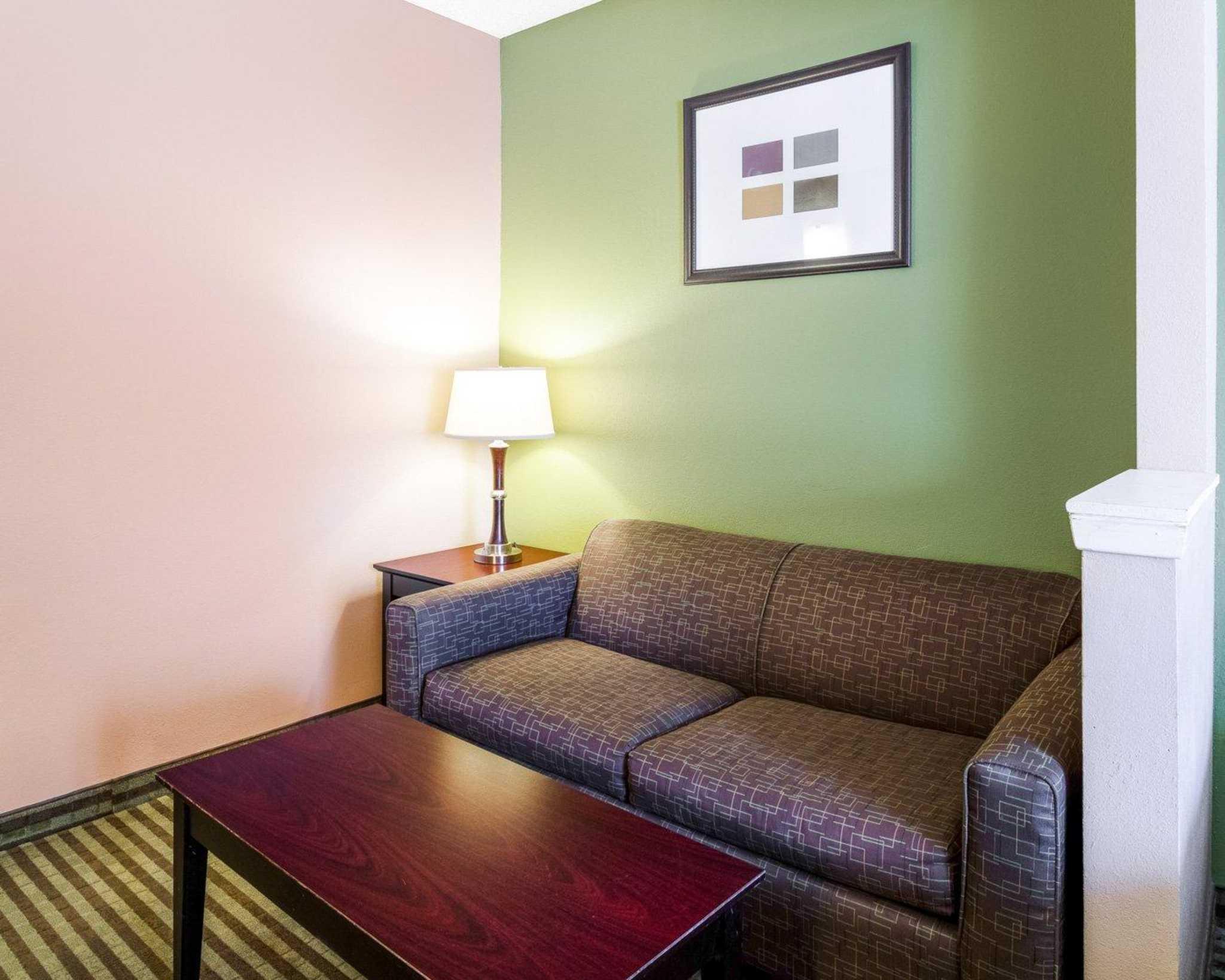 Comfort Suites Las Colinas Center image 20