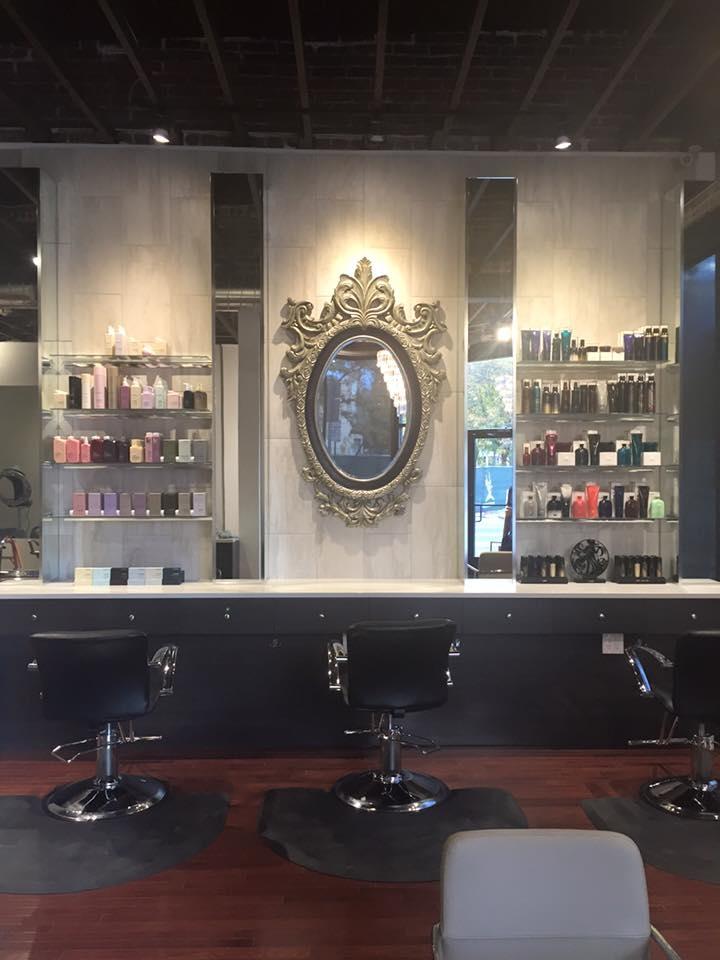 Deseo Salon & BlowDry image 5