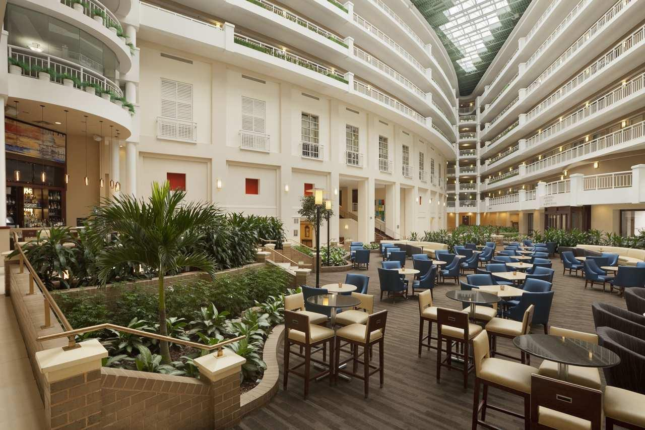 Embassy Suites by Hilton Alexandria Old Town 1900 Diagonal Road ...