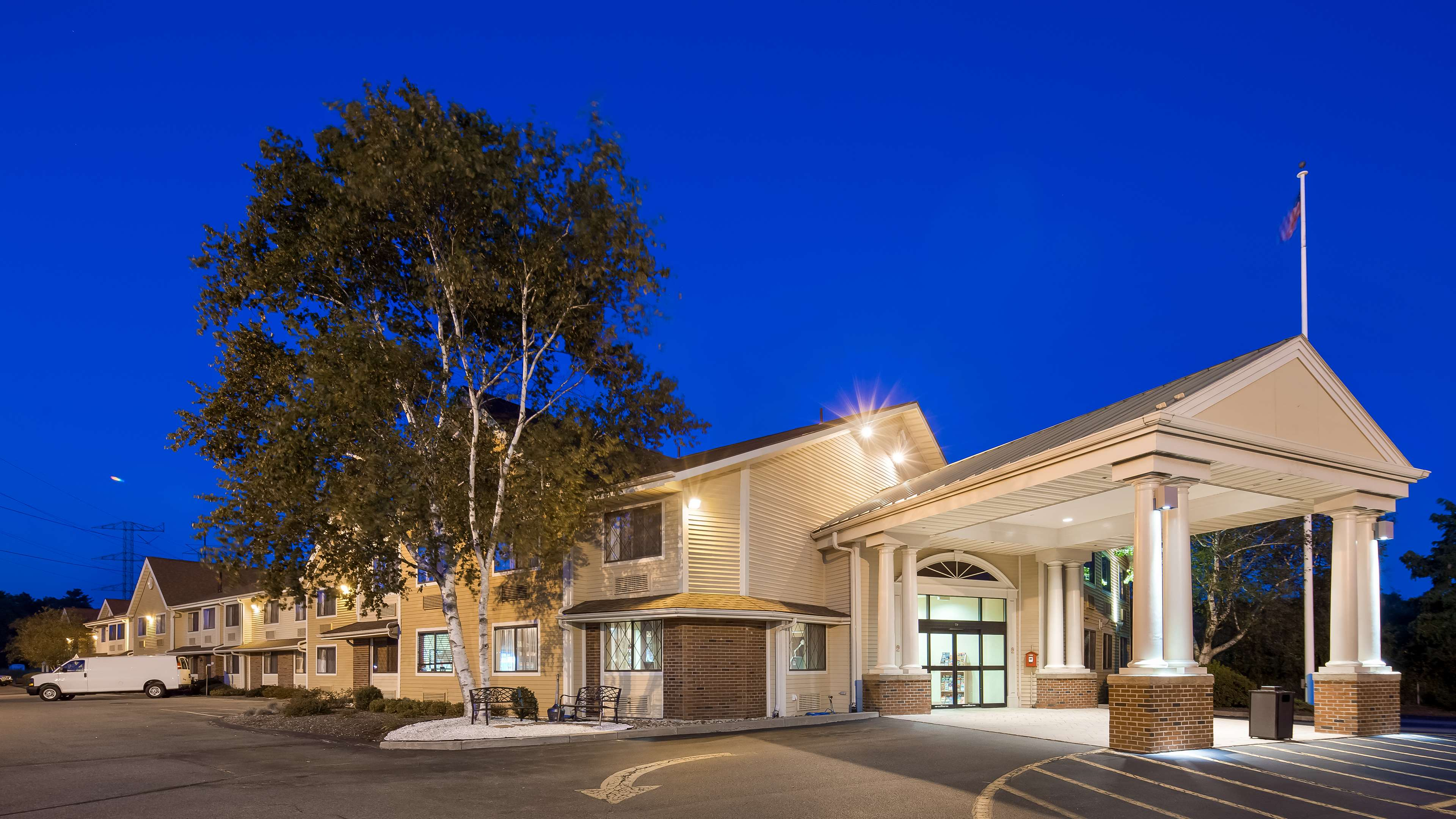 Best Western Plus The Inn at Sharon/Foxboro image 1