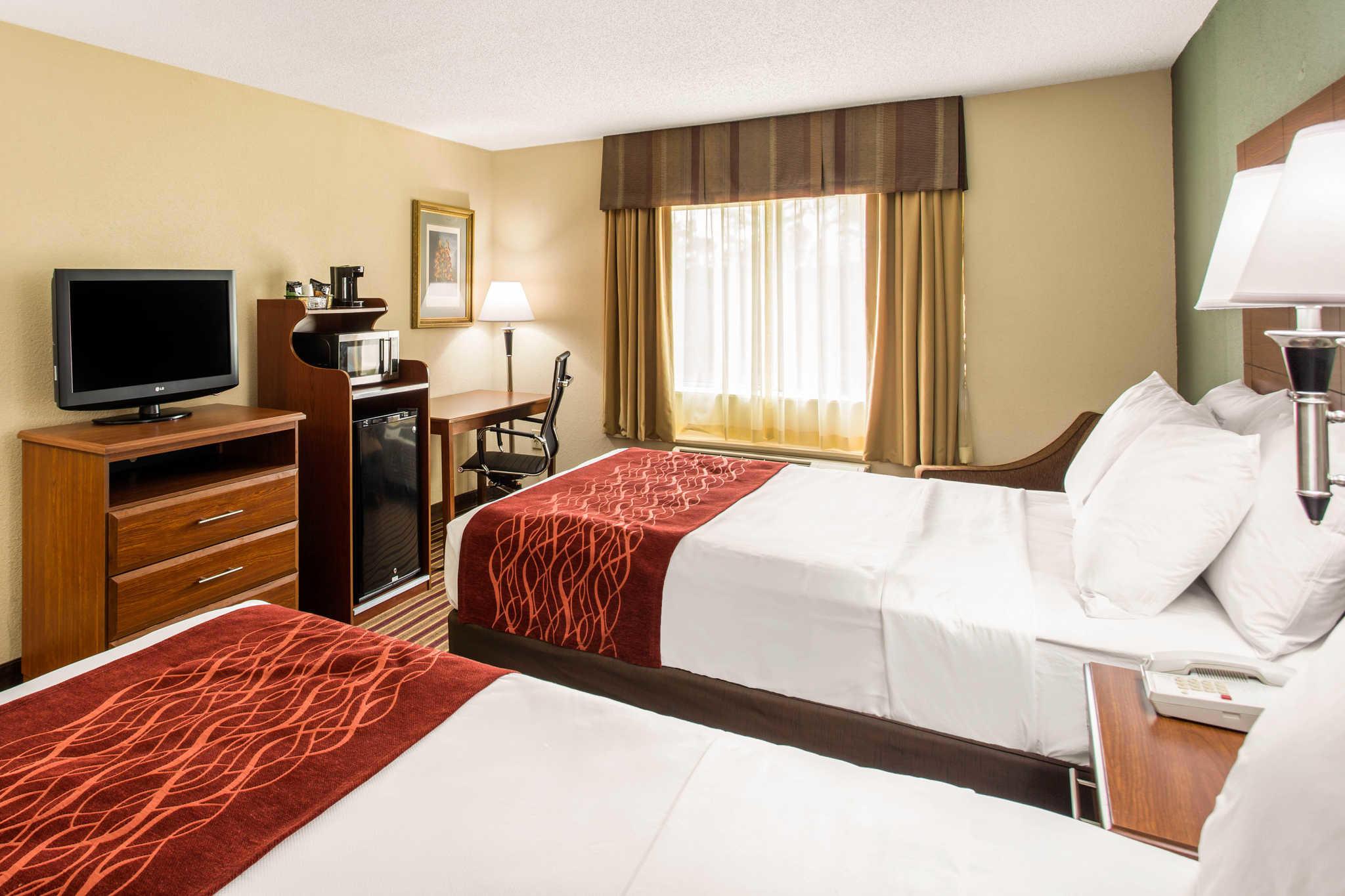 Comfort Inn & Suites Crabtree Valley image 5