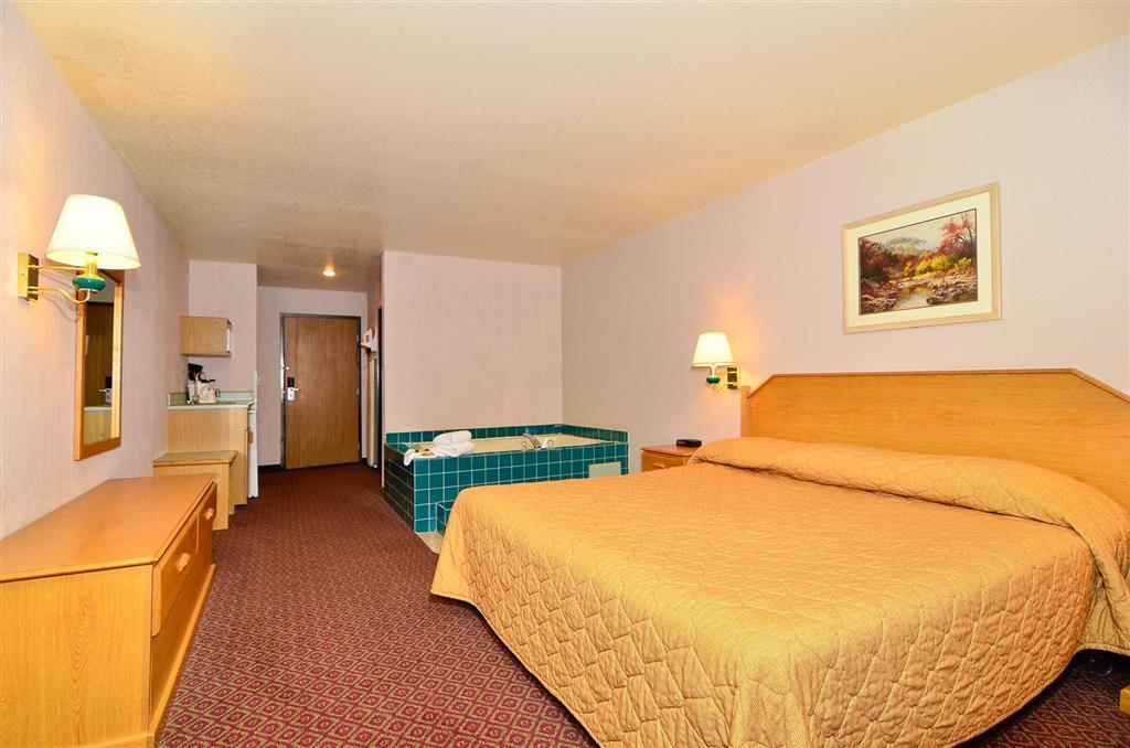 Americas Best Value Inn & Suites McCall image 7