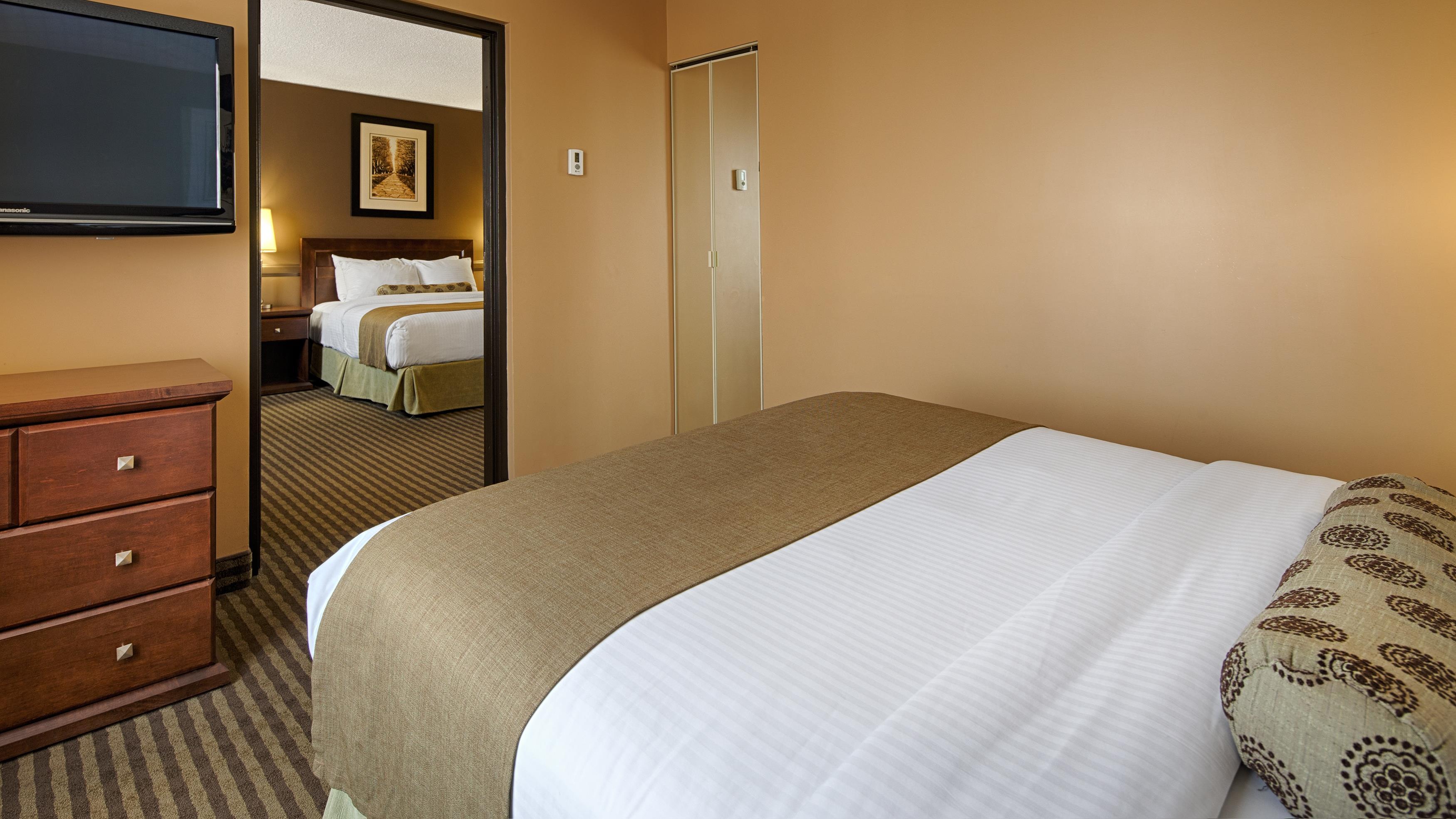Best Western Seven Oaks Inn in Regina: Two Queen Suite