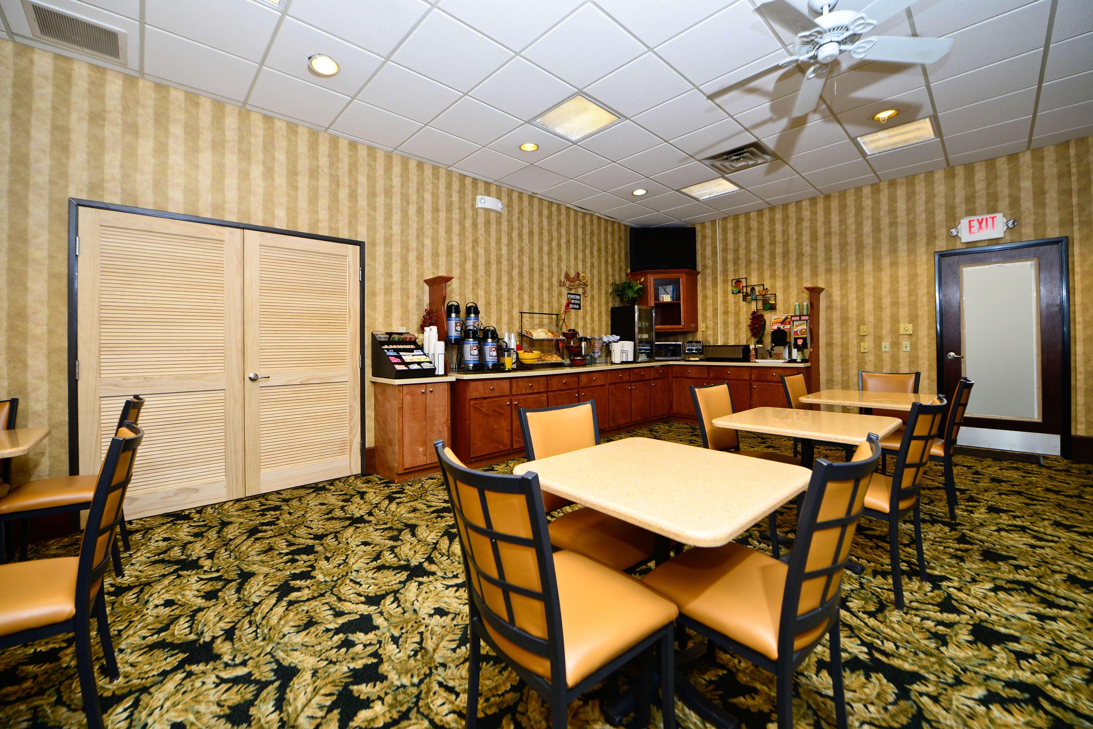 Best Western Fayetteville Inn image 26